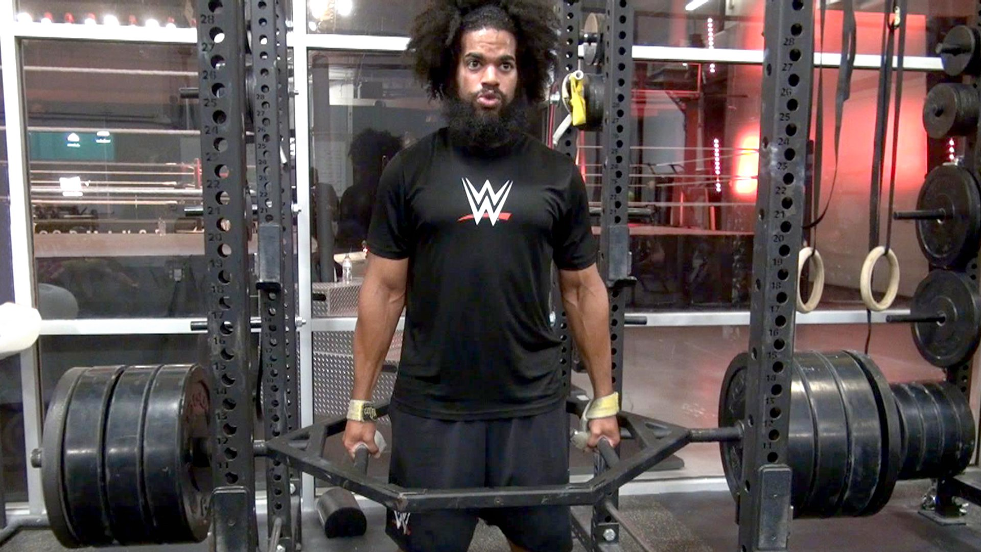 WWE Performance Center: No Way Jose wykonuje morderczy trening
