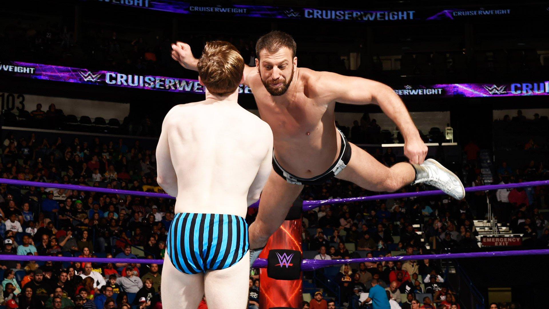 Jack Gallagher vs. Drew Gulak: Raw, 9 janvier 2017
