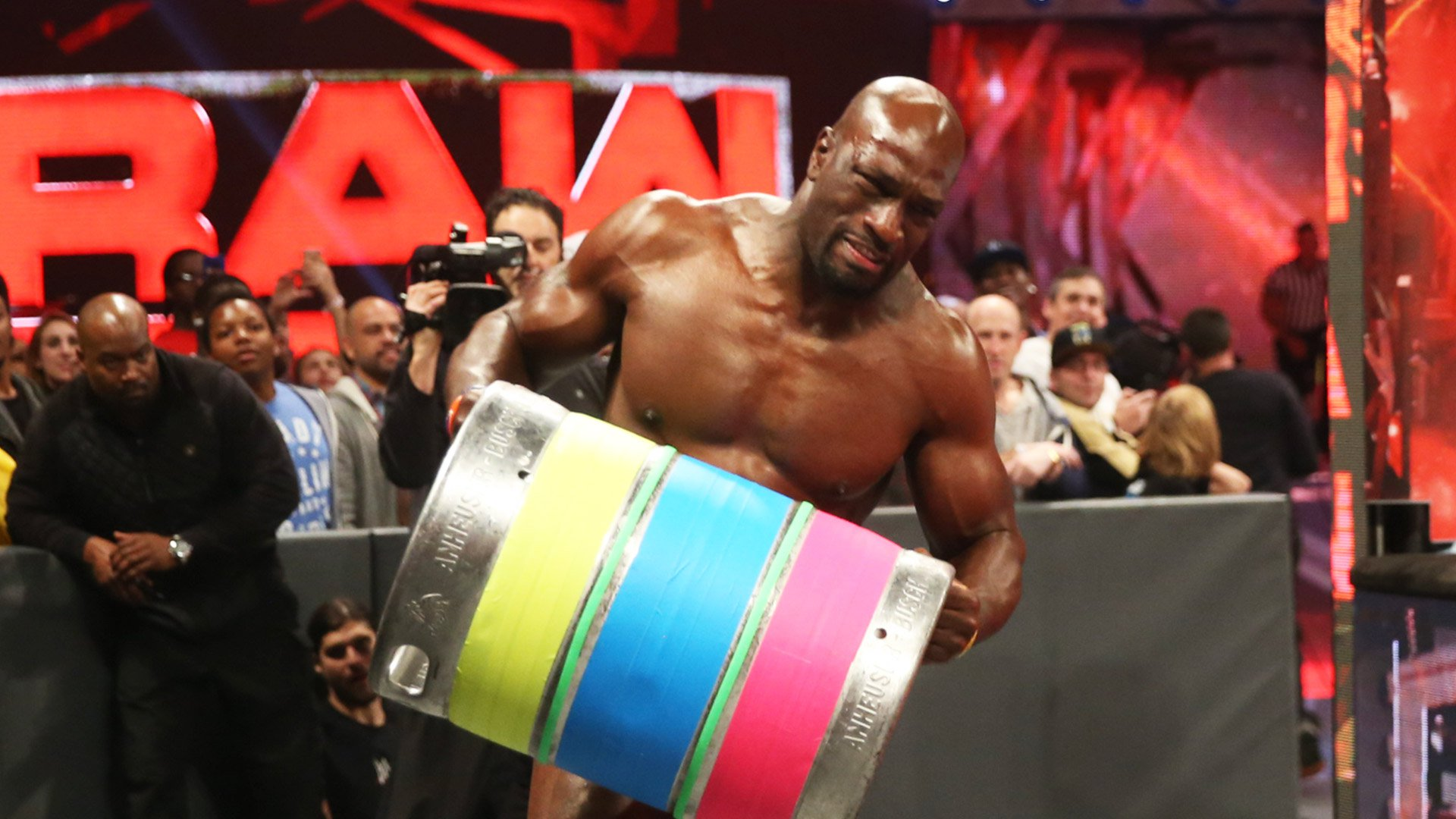 The New Day ressuscitent le Keg Carry Challenge pour Titus O'Neil: Raw, 9 janvier 2017
