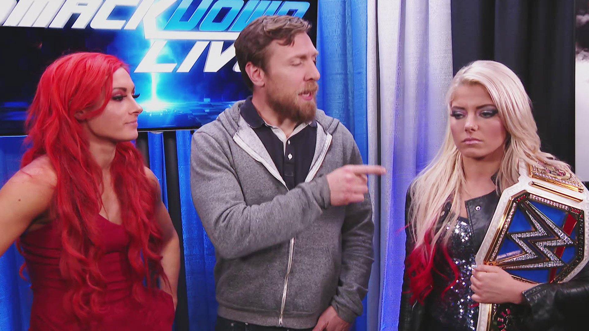 Daniel Bryan annonce le premier Match en Cage pour le titre de Championne Féminine de SmackDown: SmackDown LIVE, 10 jan. 2017