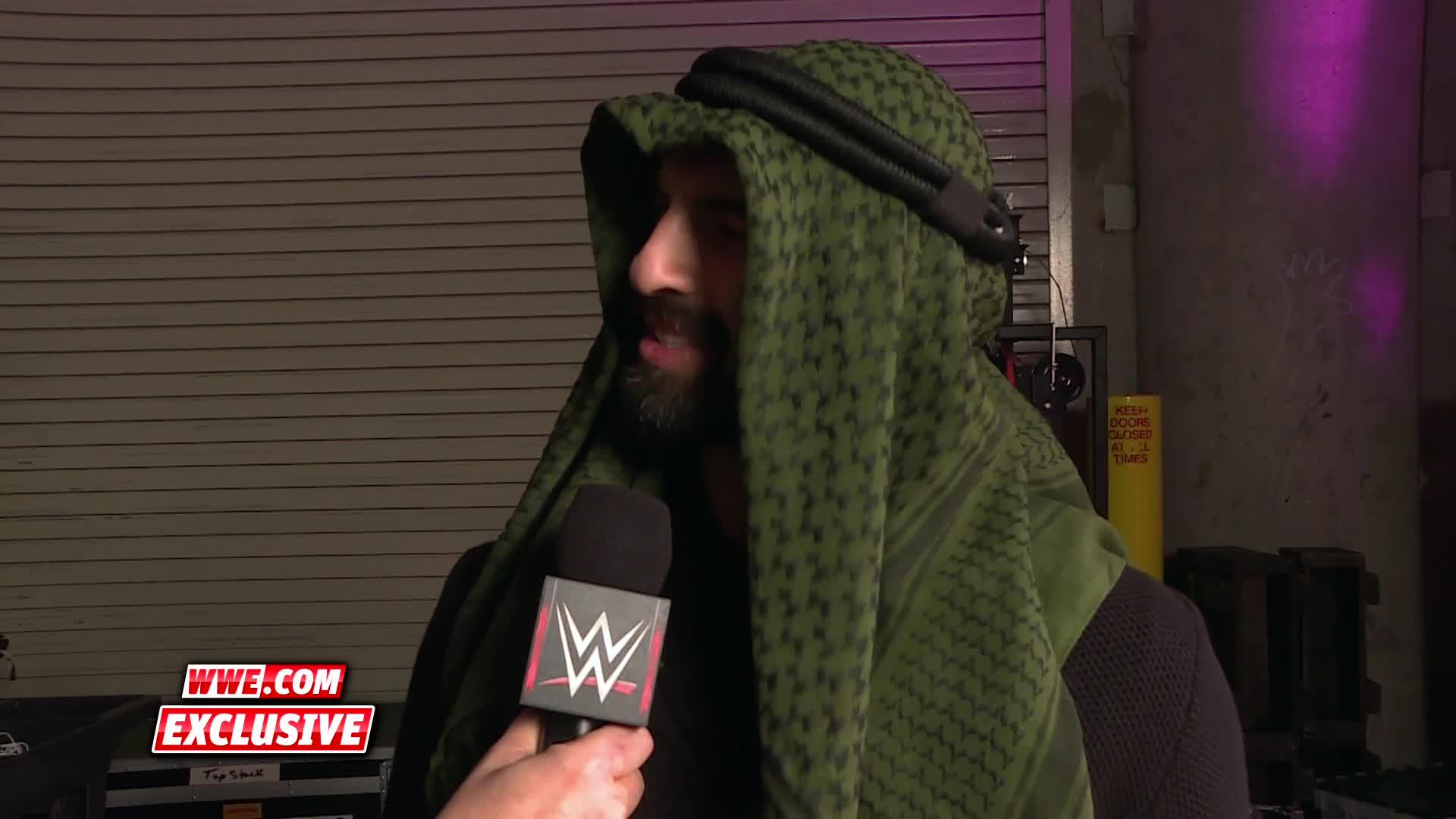 Ariya Daivari accepte de les pourparlers dans 205 Live: WWE.com Exclusive, 9 janvier 2017