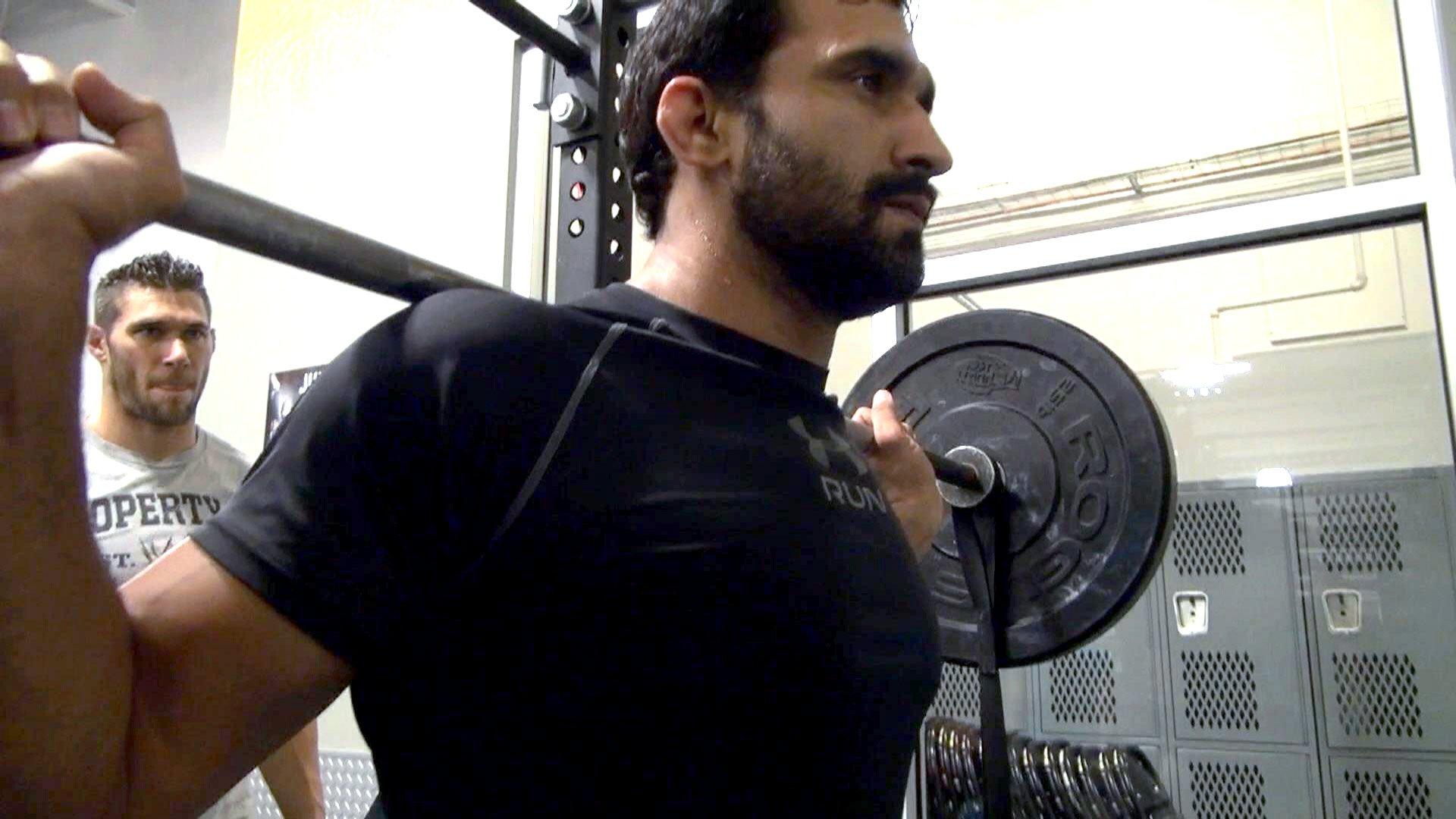 Jeet Rama powers through single-leg squats