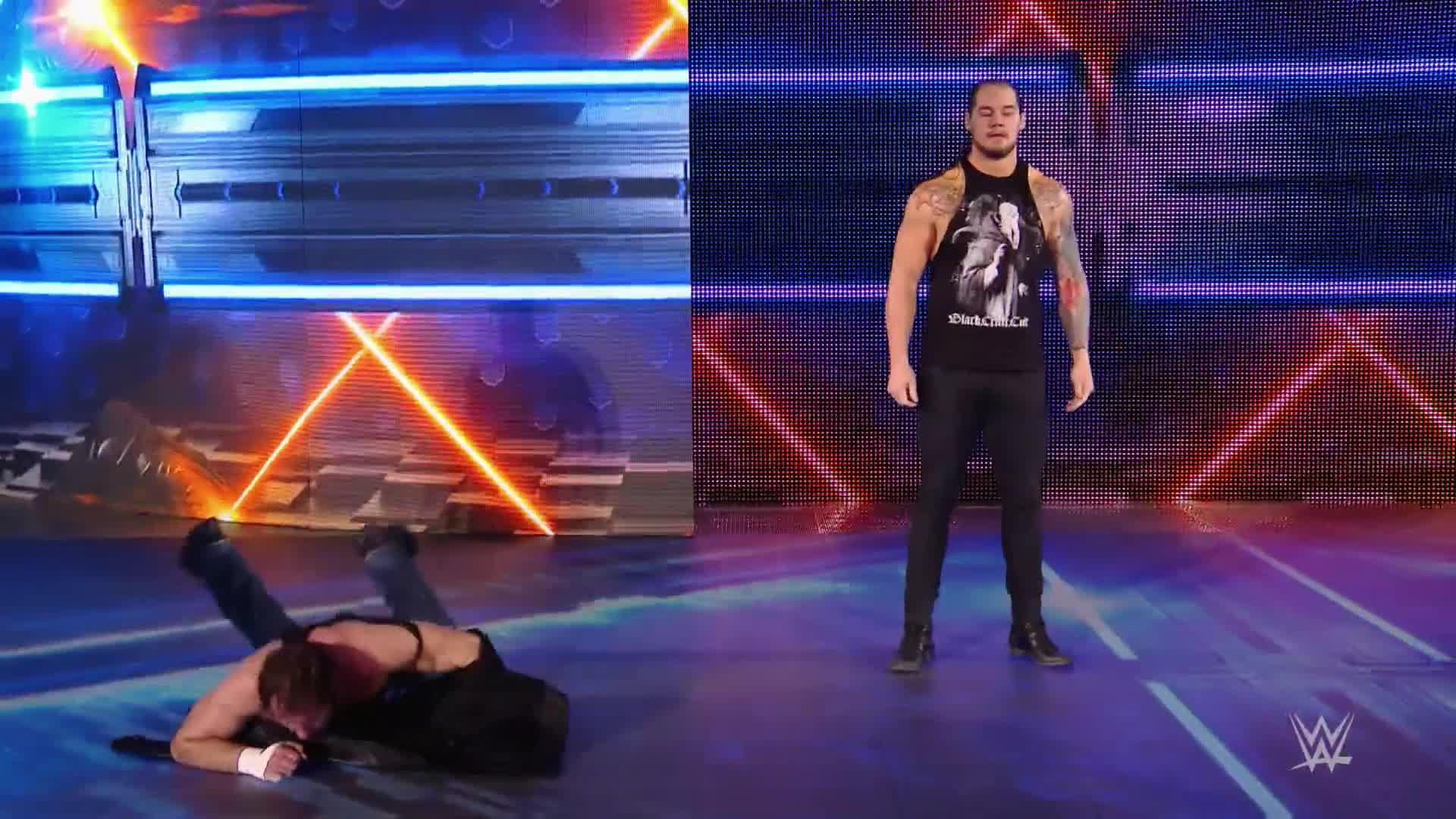 Baron Corbin attaque Dean Ambrose: SmackDown LIVE, 14 fév. 2017