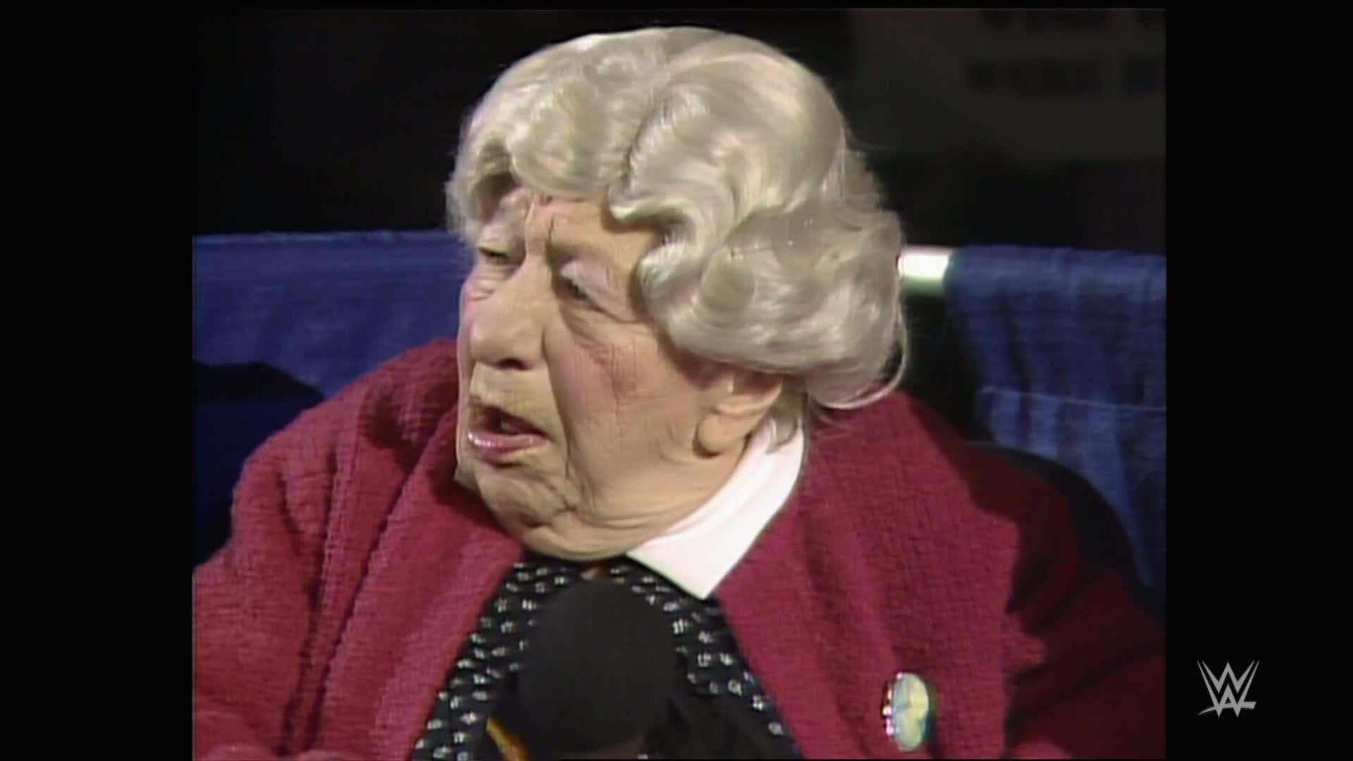 """Clara Peller, de la célèbre phrase """"Where's the beef?"""", a du mal à réciter son texte: WrestleMania 2"""