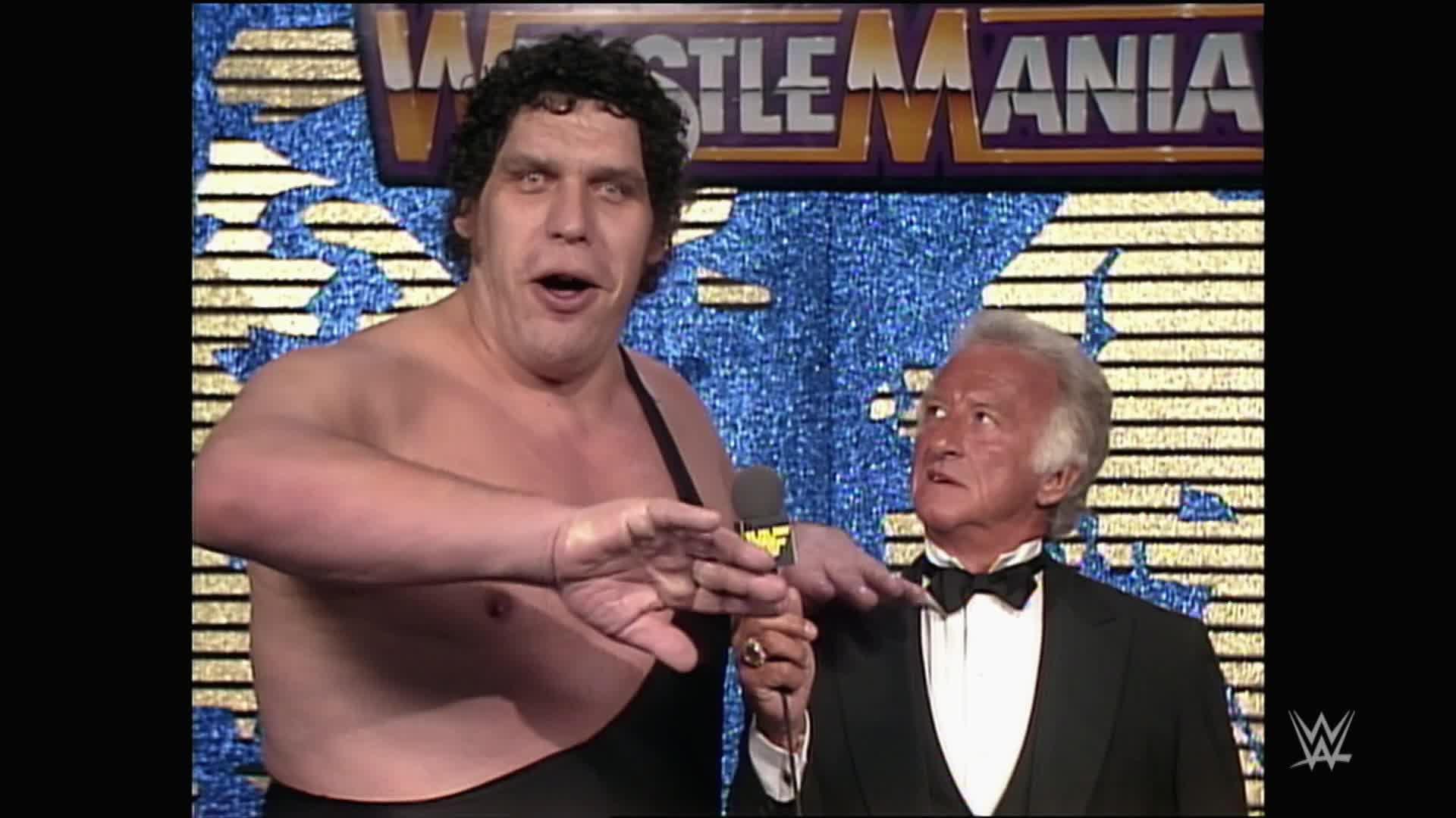 Le sens d'l'humour de Bob Uecker lui vaut des problèmes avec Andre the Giant: WrestleMania IV