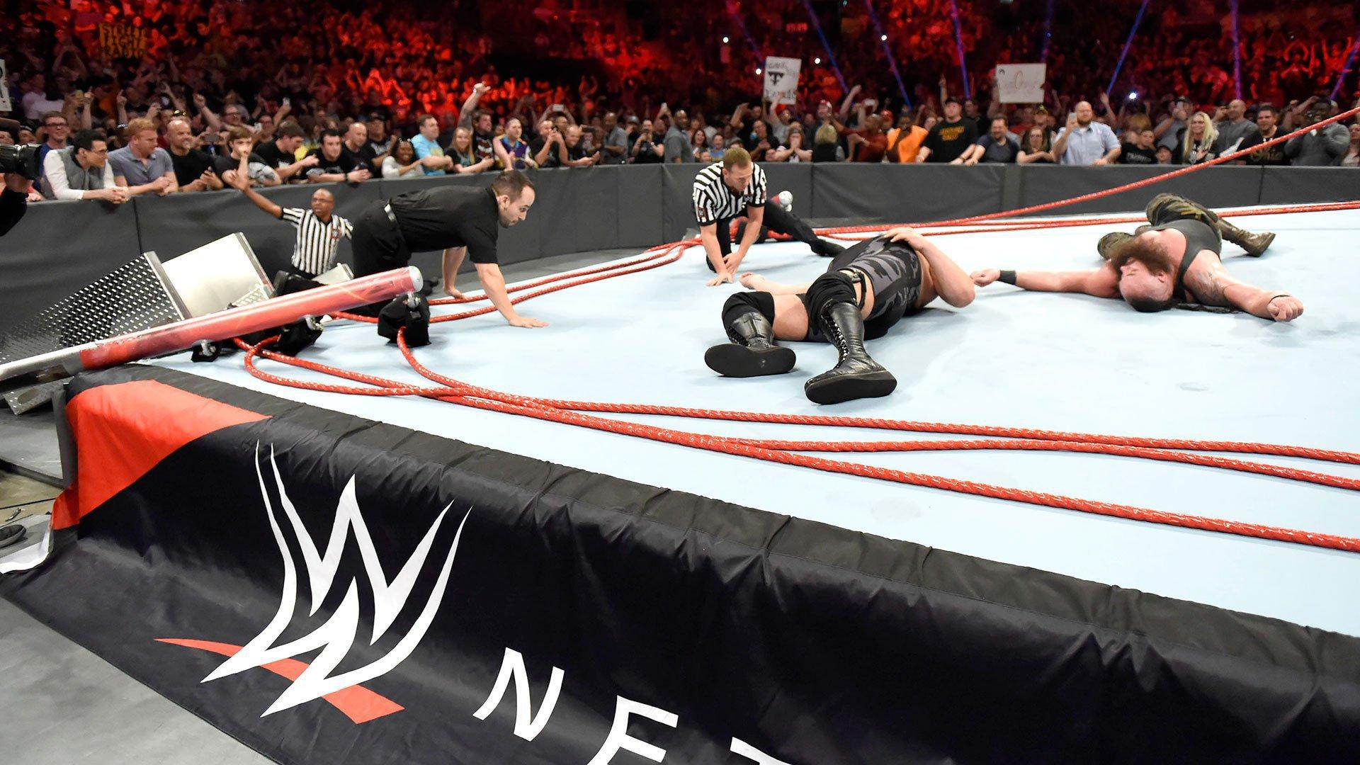 Nowe nagranie starcia Braun Strowman vs. Big Show ze zniszczeniem ringu: WWE.com Exclusive 18.04.17