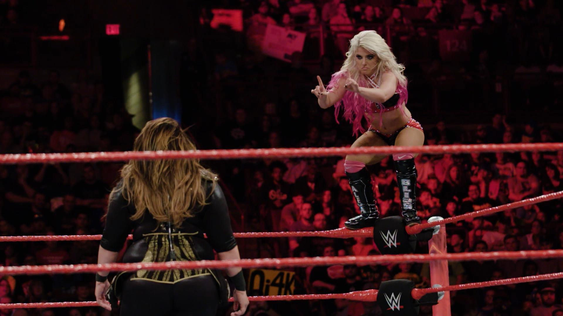 Zwolnione tempo starcia typu Fatal 4-Way: WWE.com Exclusive 17.04.17