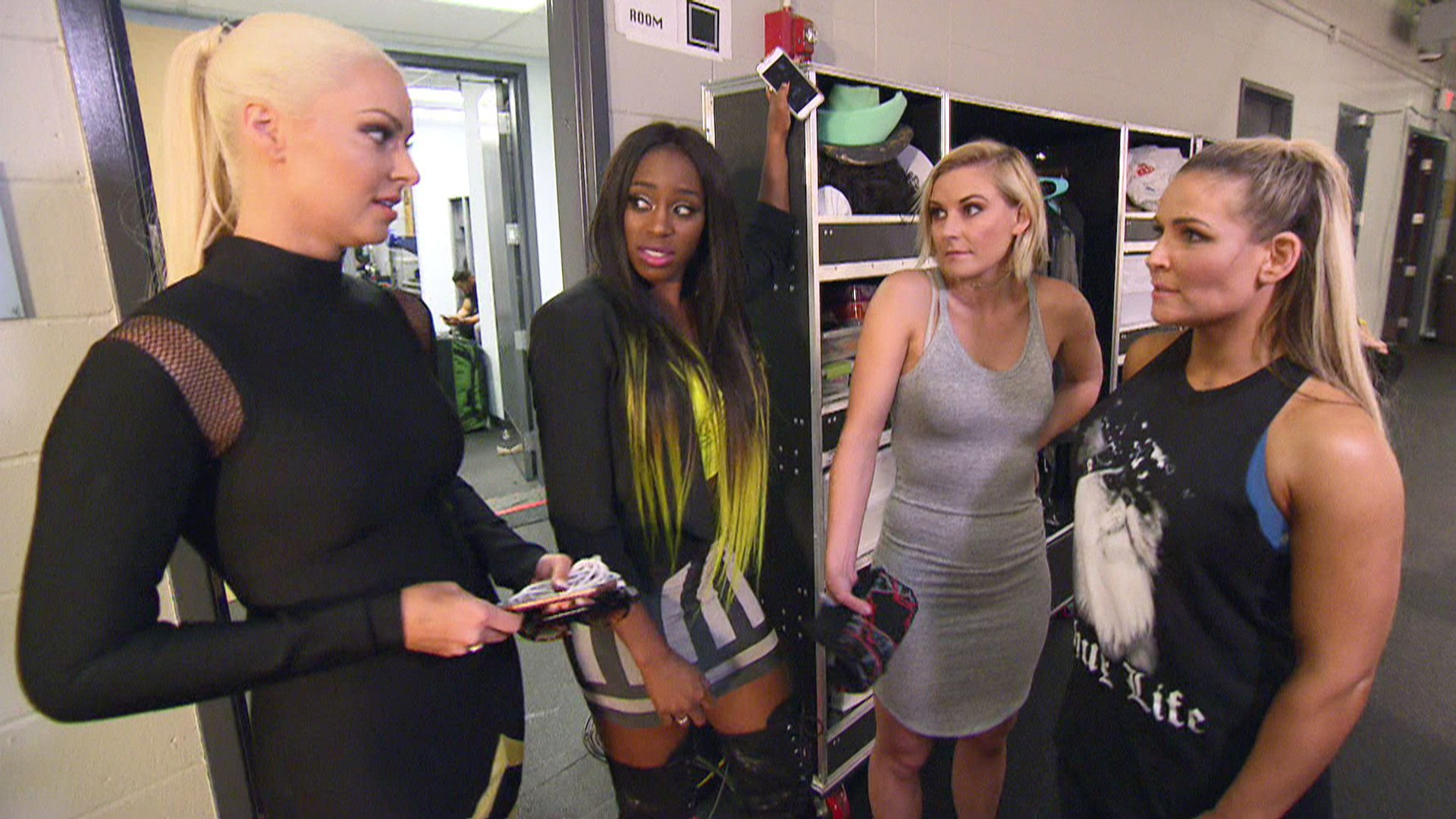 Les Total Divas disent ce qu'elles pensent du WWE Draft: Total Divas, 5 avril 2017