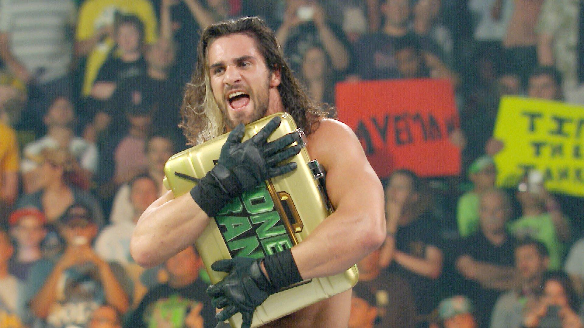 Seth Rollins remporte le Match de l'Échelel WWE Money in the Bank: WWE Money in the Bank 2014