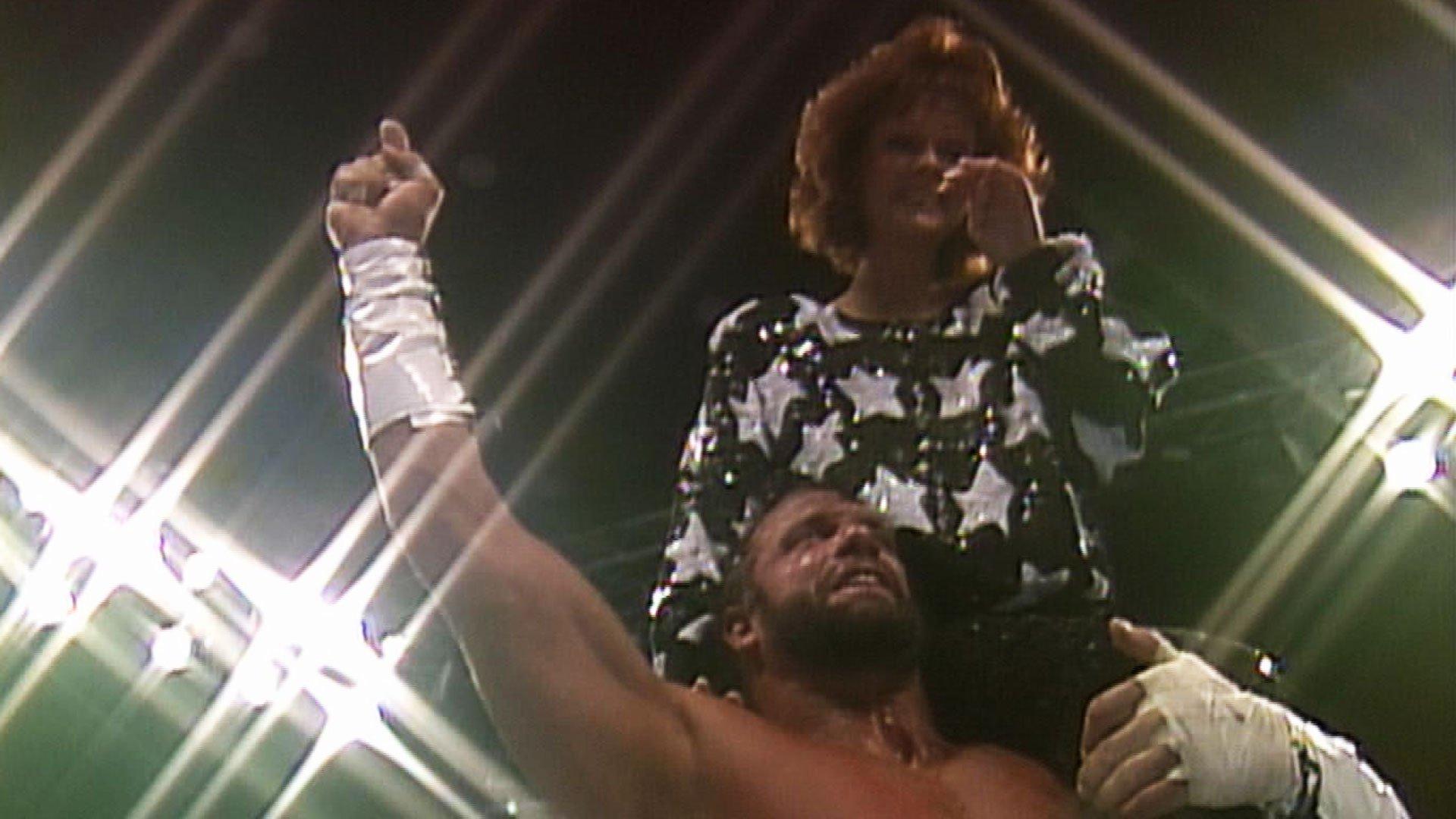 """""""Macho Man"""" Randy Savage et Miss Elizabeth réunis: WrestleMania VII"""