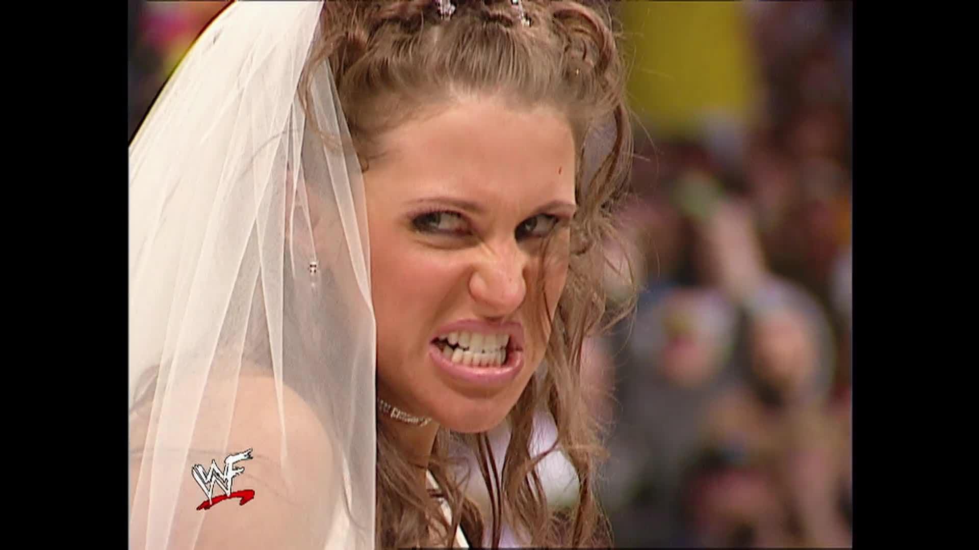 Triple H and Stephanie McMahon renew their wedding vows Raw
