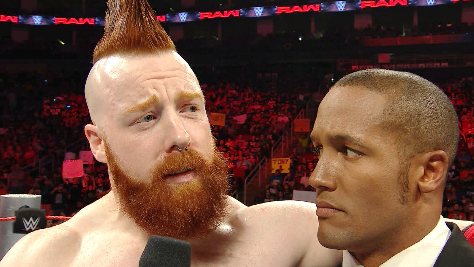 Sheamus Makes Fun Of The Crowd During What Chant Raw Aug 29