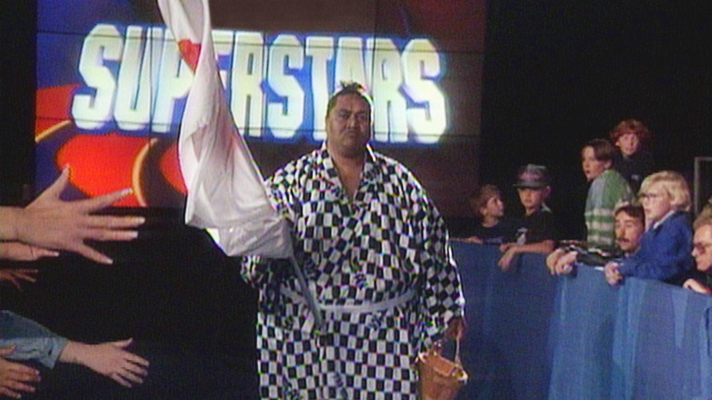 Yokozuna makes his WWE debut: WWE Superstars, Oct. 31, 1992