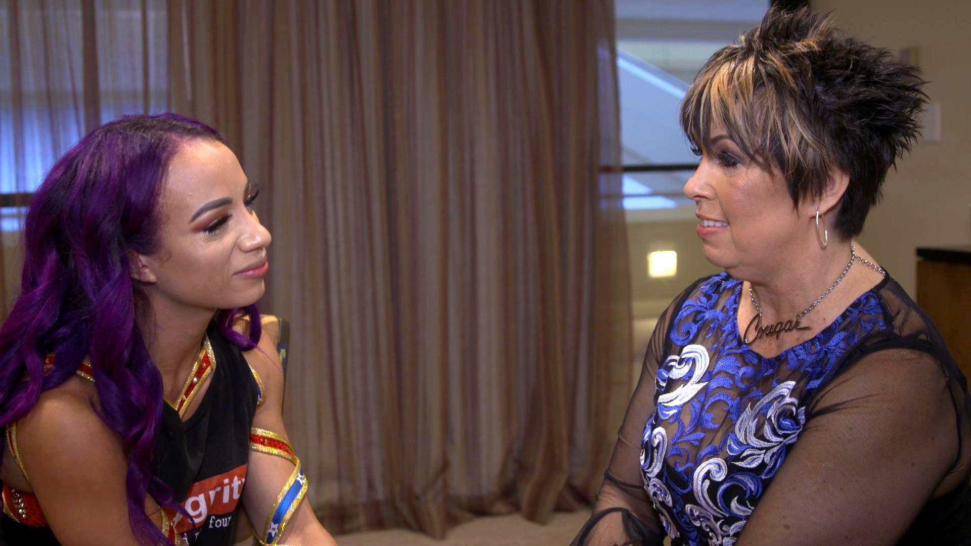 Sasha Banks et Vickie Guerrero rendent hommage à Eddie Guerrero