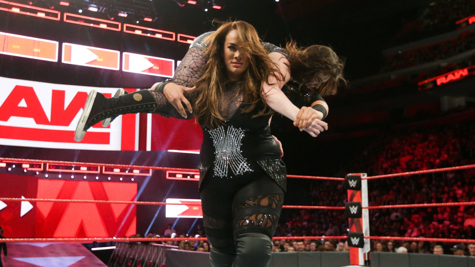 Nia Jax vs. Joan King: Raw, 12 Mars 2018.