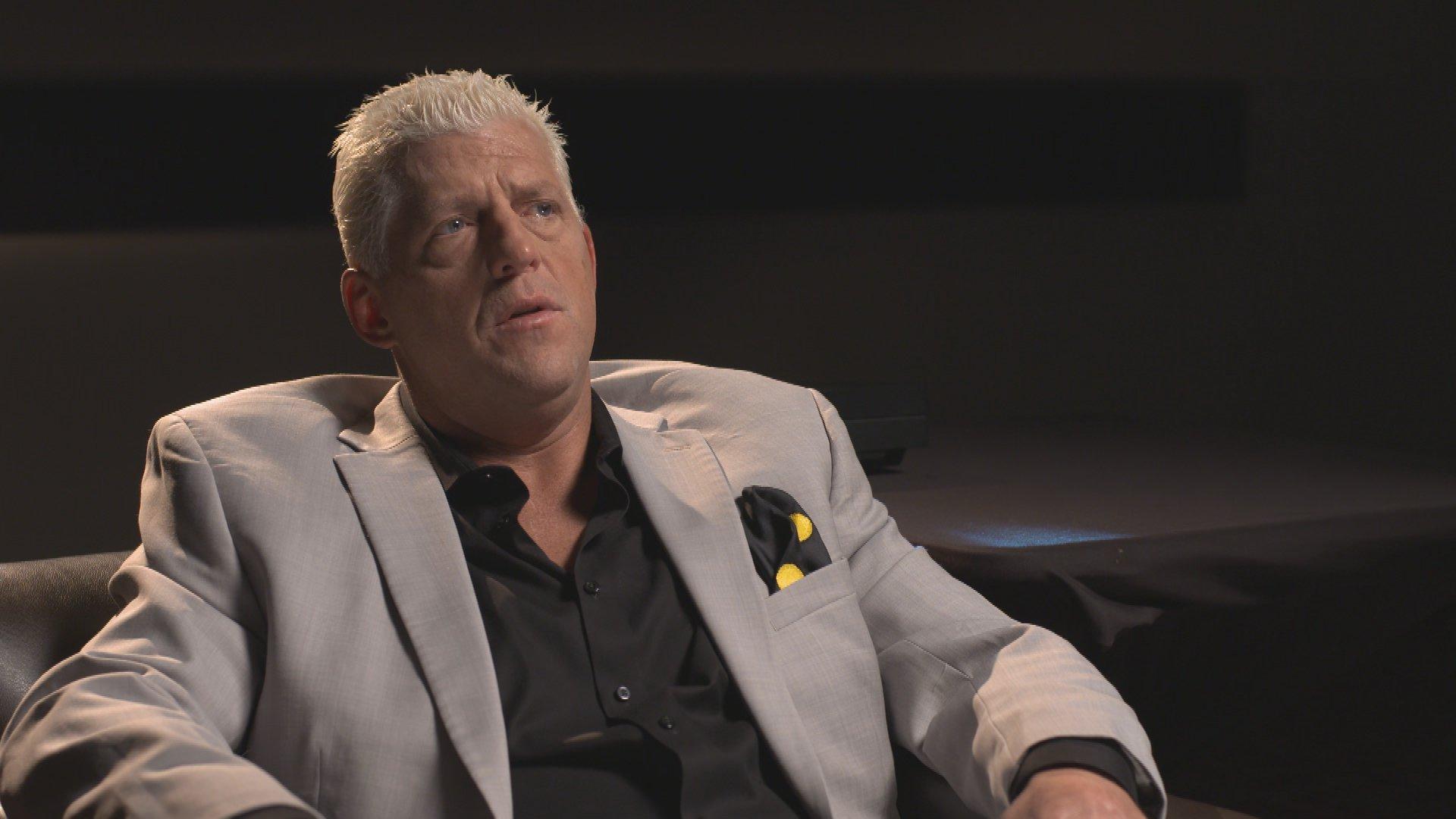 Goldust dévoile sa source d'inspiration pour la peinture sur le visage dans WWE Photo Shoot (Exclusivité WWE Network)