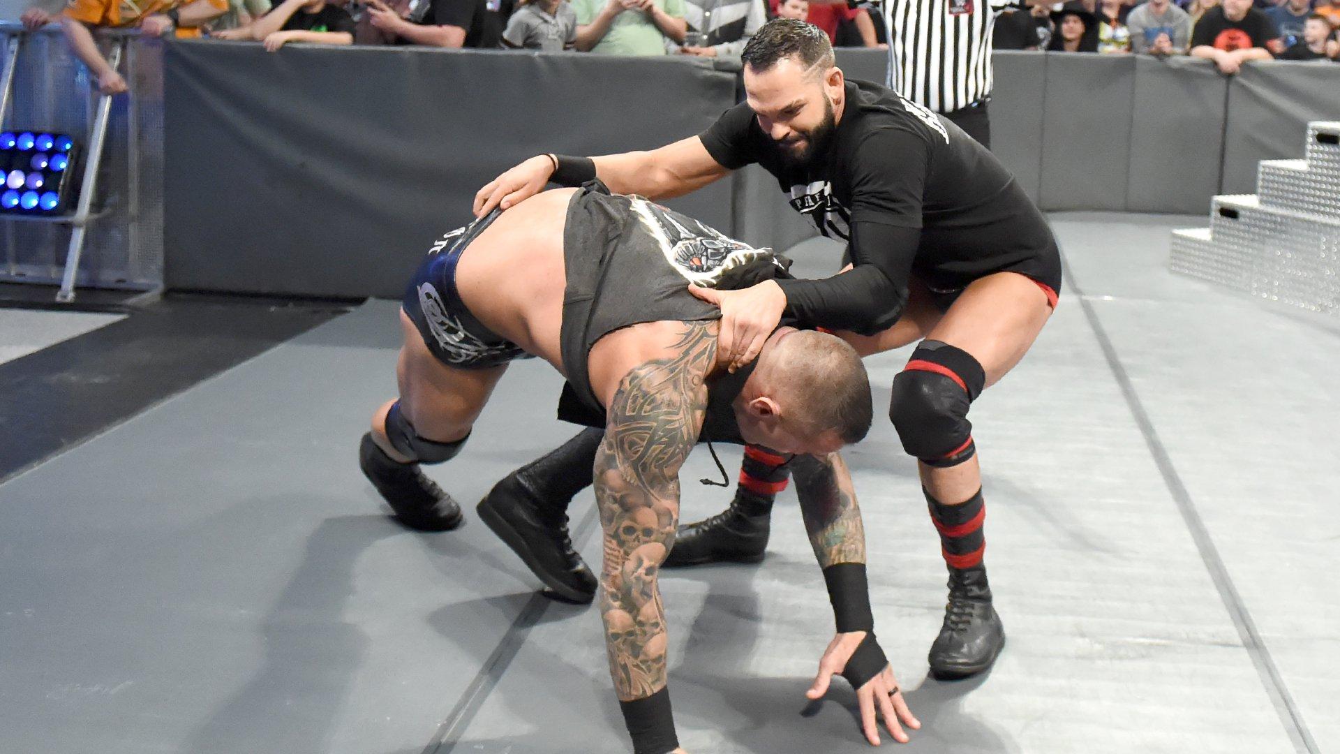 The Viper lâche une attaque laissant Tye Dillinger comme le Painful 9: SmackDown LIVE, 2 Octobre 2018