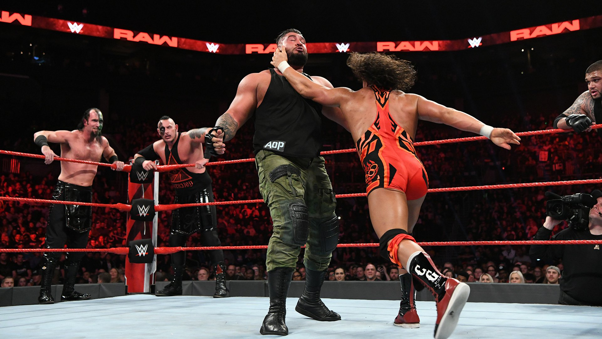 Chad Gable & Bobby Roode vs. AOP vs. The Ascension: Raw, 29 Octobre 2018