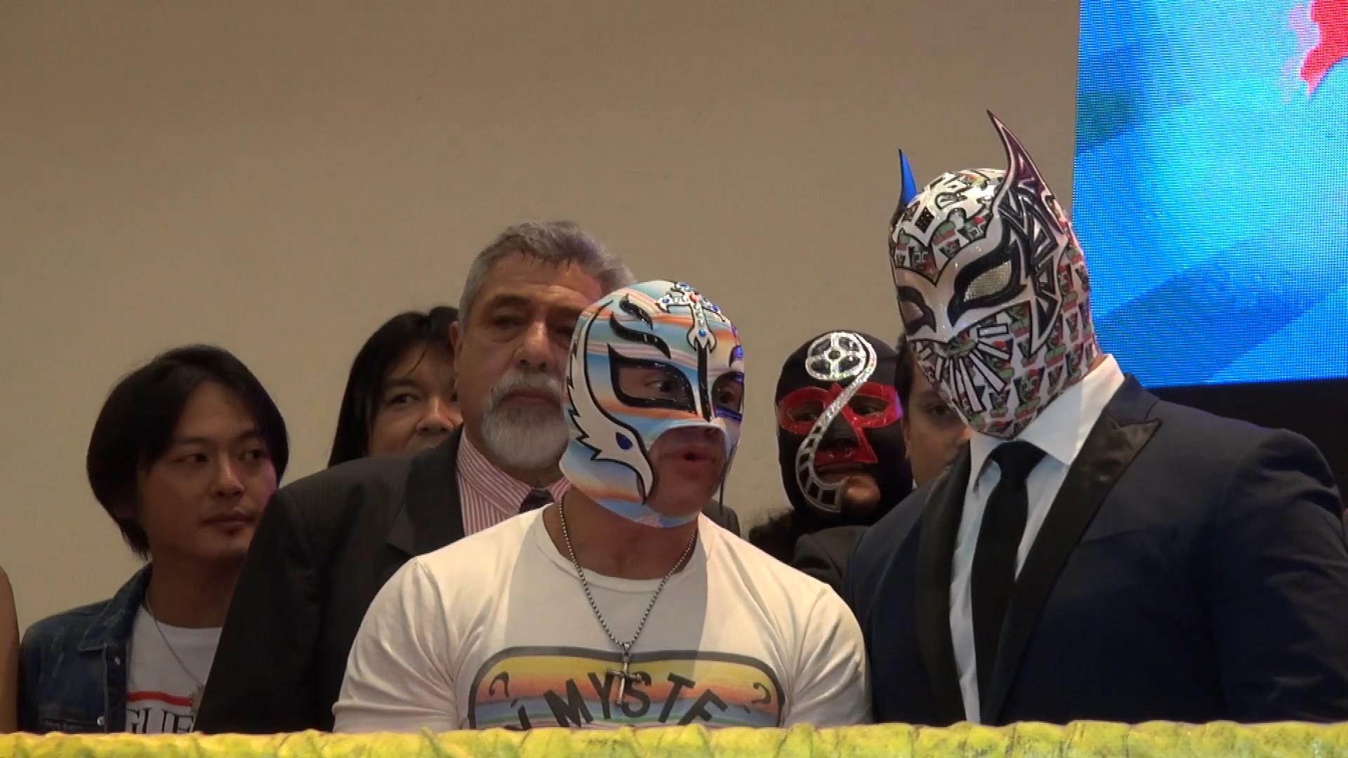 Sin Cara presente en la Expo Museo Lucha Libre