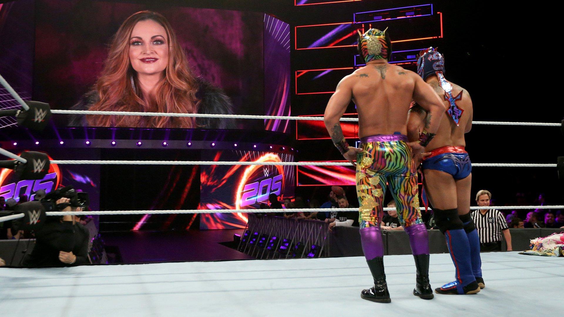 The Lucha House Party vs. Mike Karma & Kraig Keesaman: WWE 205 Live, 14 Novembre 2018