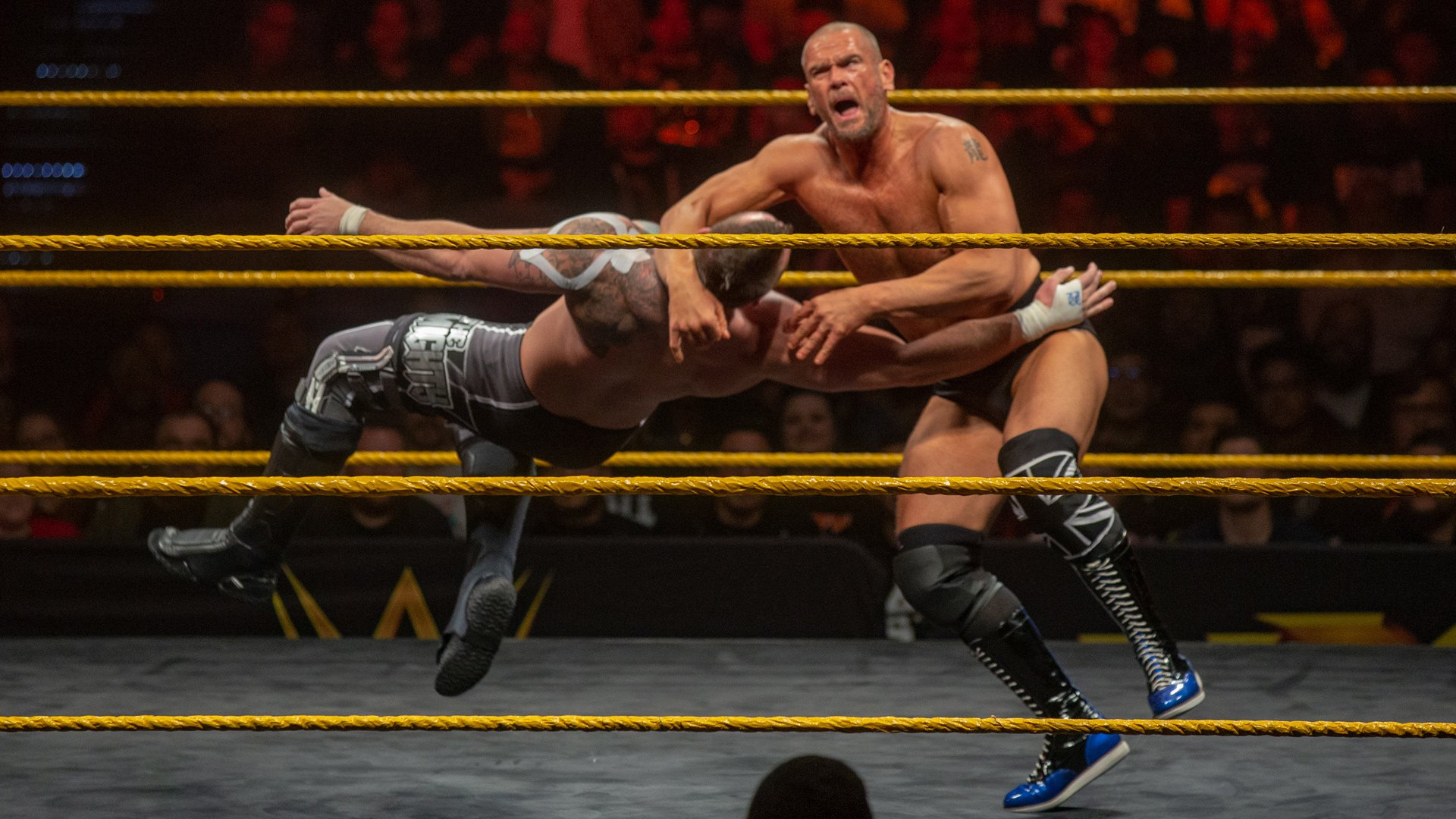 Danny Burch & Oney Lorcan vs. The Mighty: WWE NXT, 28 Novembre 2018