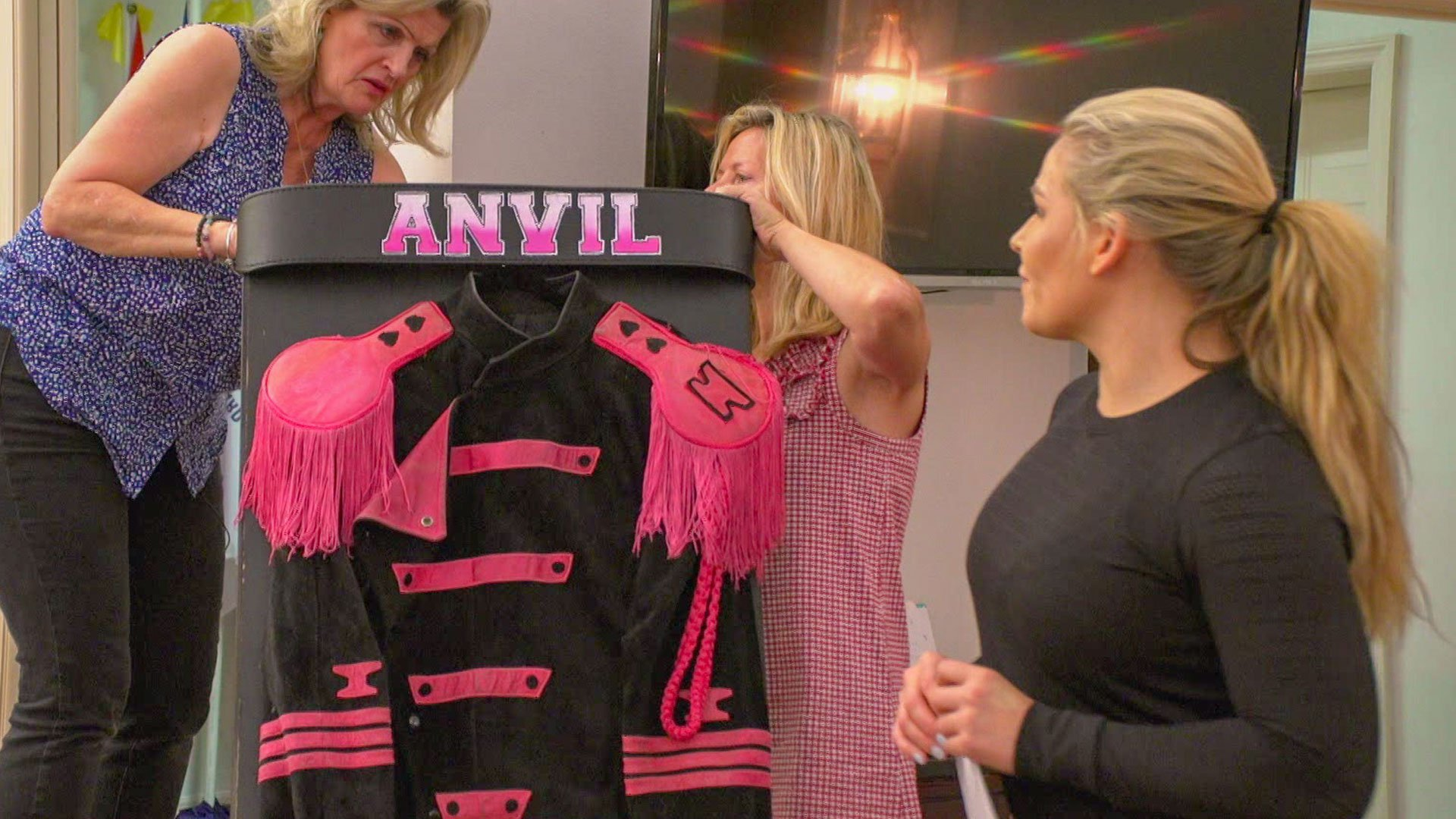 """Natalya prépare les funérailles de Jim """"The Anvil"""" Neidhart: Total Divas Preview Clip, 28 Novembre 2018"""