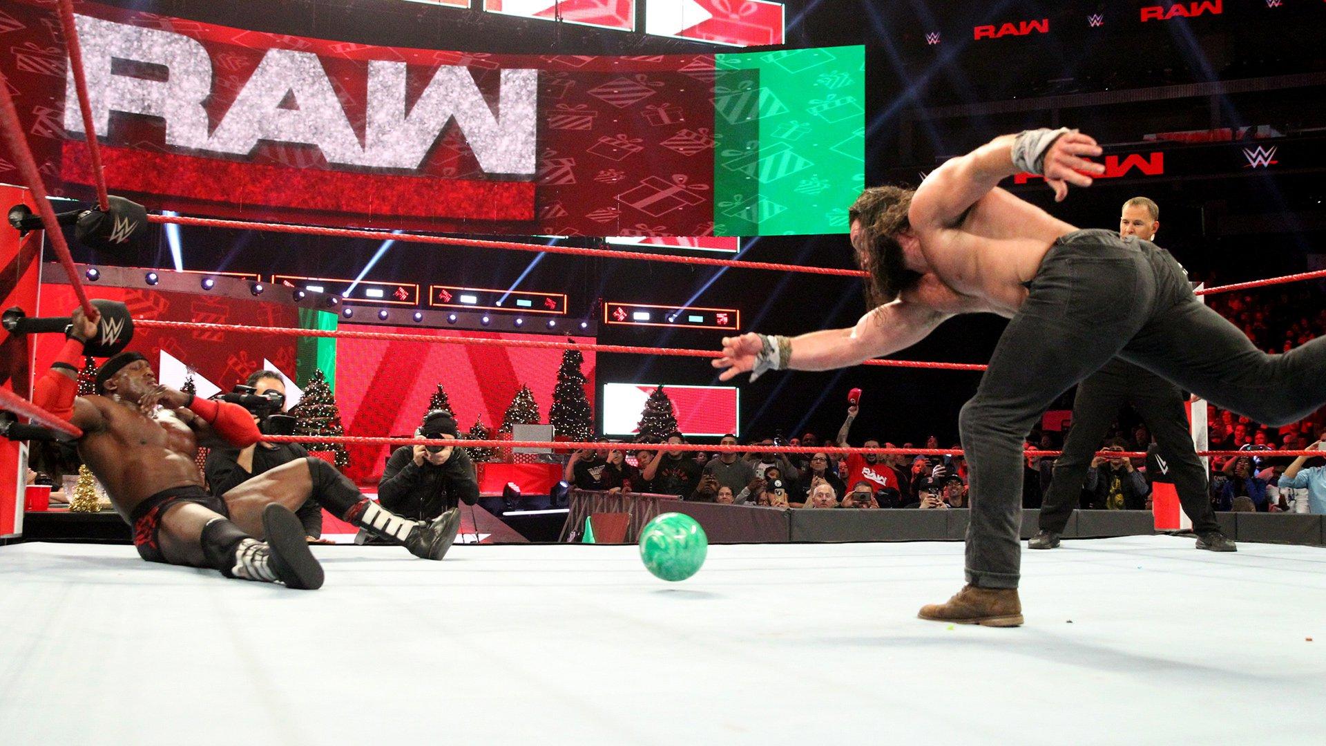 Top 10 des moments de Raw: WWE Top 10, 24 Décembre 2018