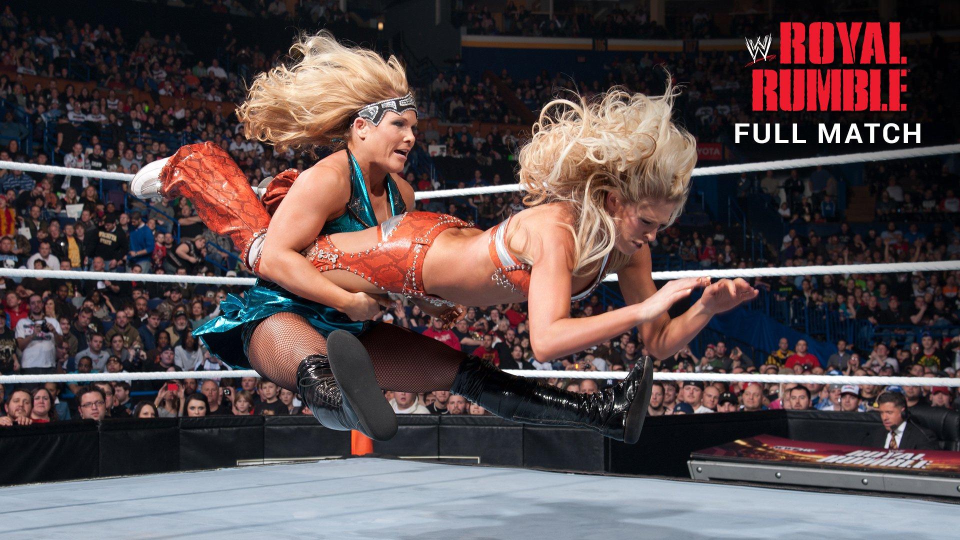 Match à 8 Divas par Équipes: Royal Rumble 2012 (Match Intégral - Exclusivité WWE Network)