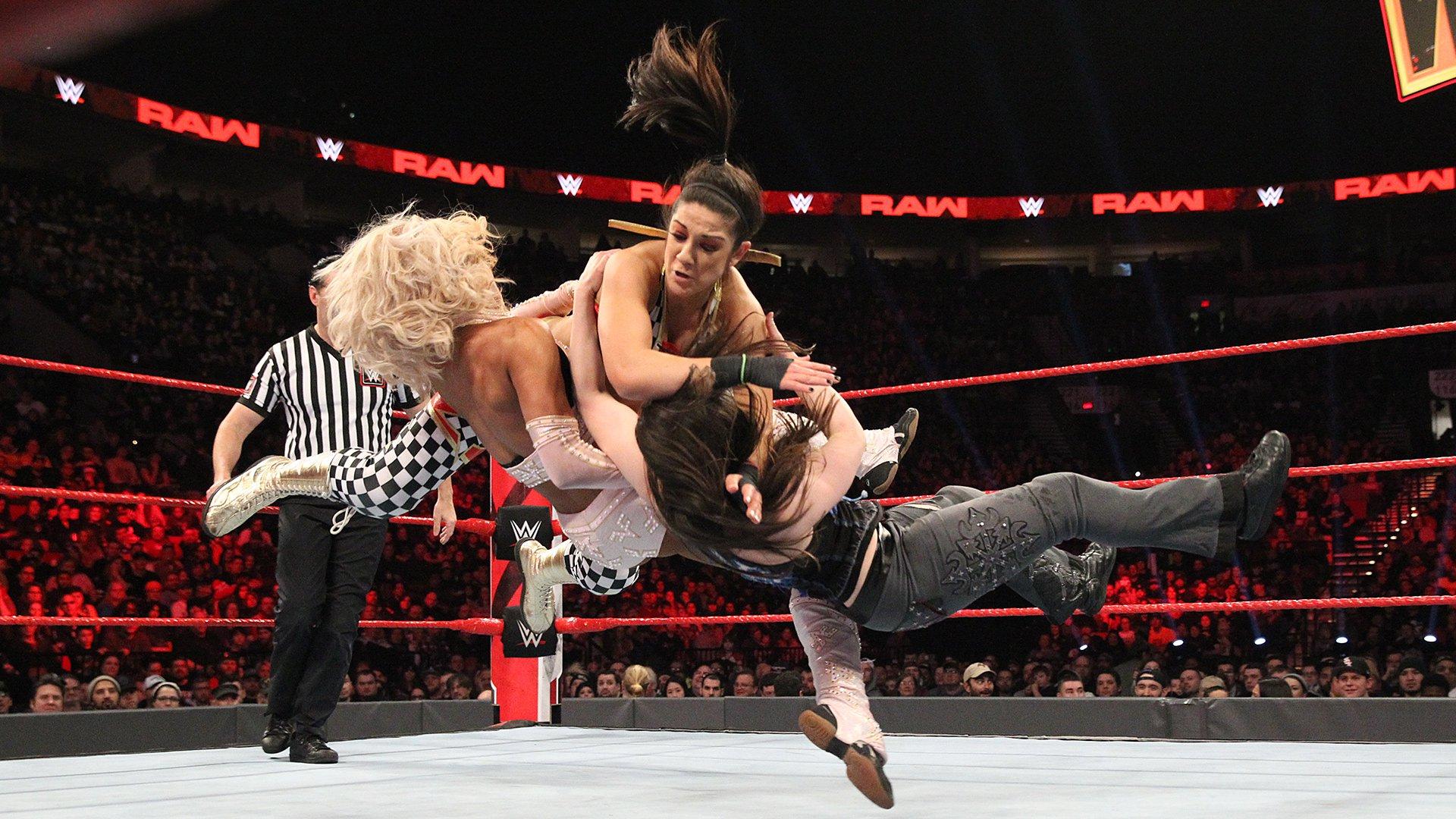 Sasha Banks & Bayley vs. Alicia Fox & Nikki Cross -  Match de Qualification pour l'Elimination Chamber pour les Titres par Équipes Femme de la WWE, 4 Fev 2019