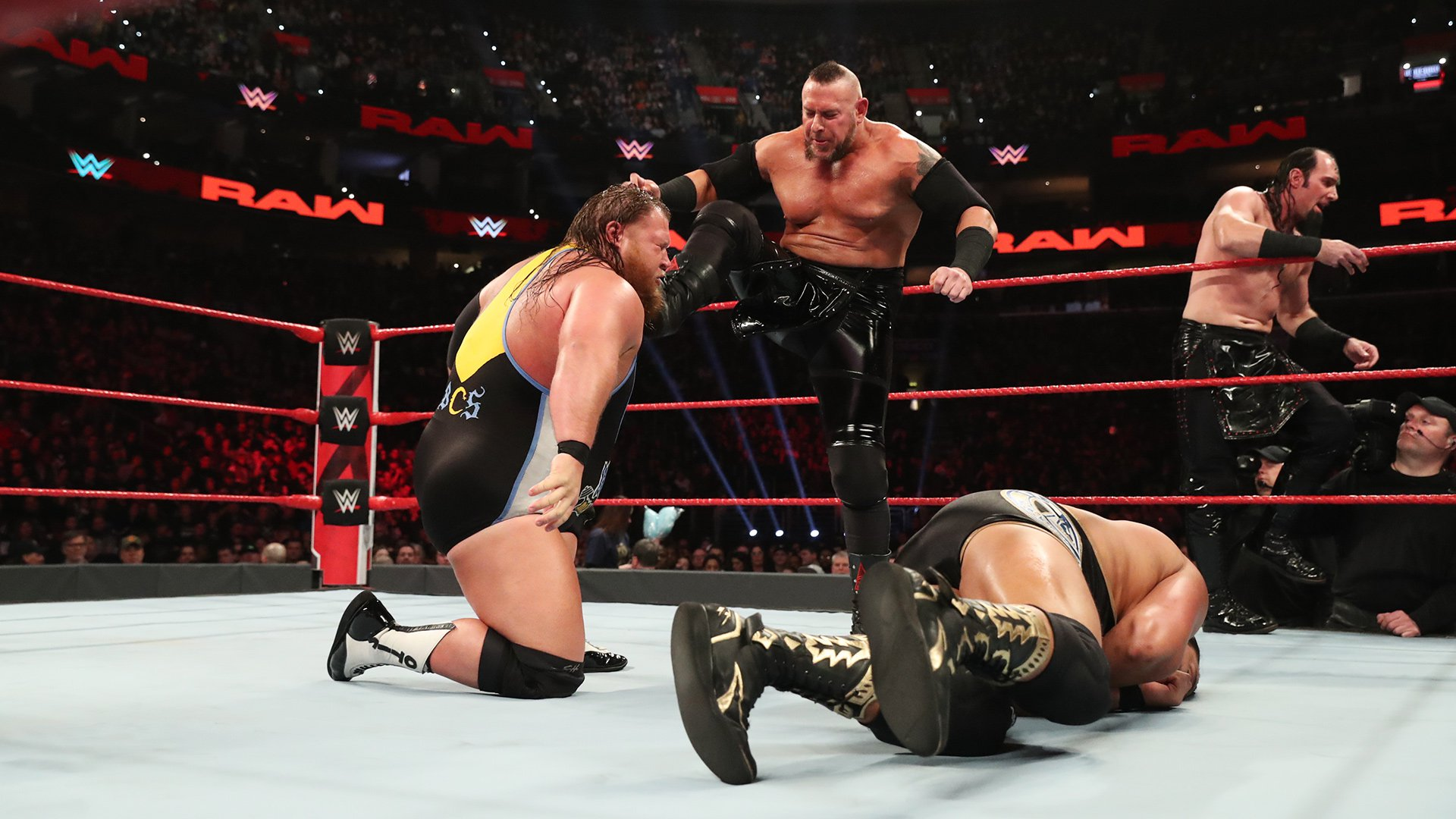 Heavy Machinery vs. The Ascension - Tag Team Gauntlet Match: Raw, 4 Mars 2019
