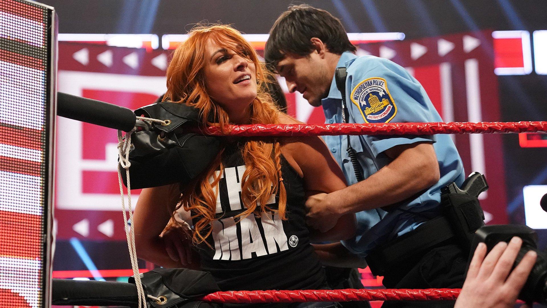 Top 10 des moments de Raw: WWE Top 10, 1er Avril 2019