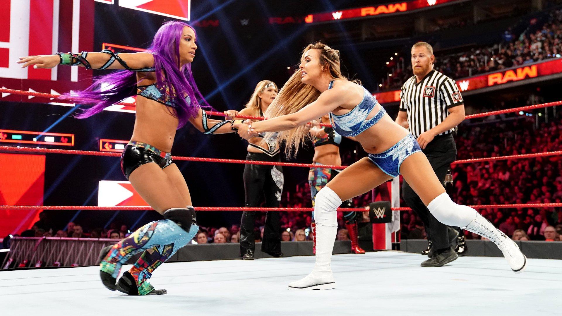 Sasha Banks, Bayley, Beth Phoenix & Natalya vs. Nia Jax, Tamina & The IIconics: Raw, 1er Avril 2019