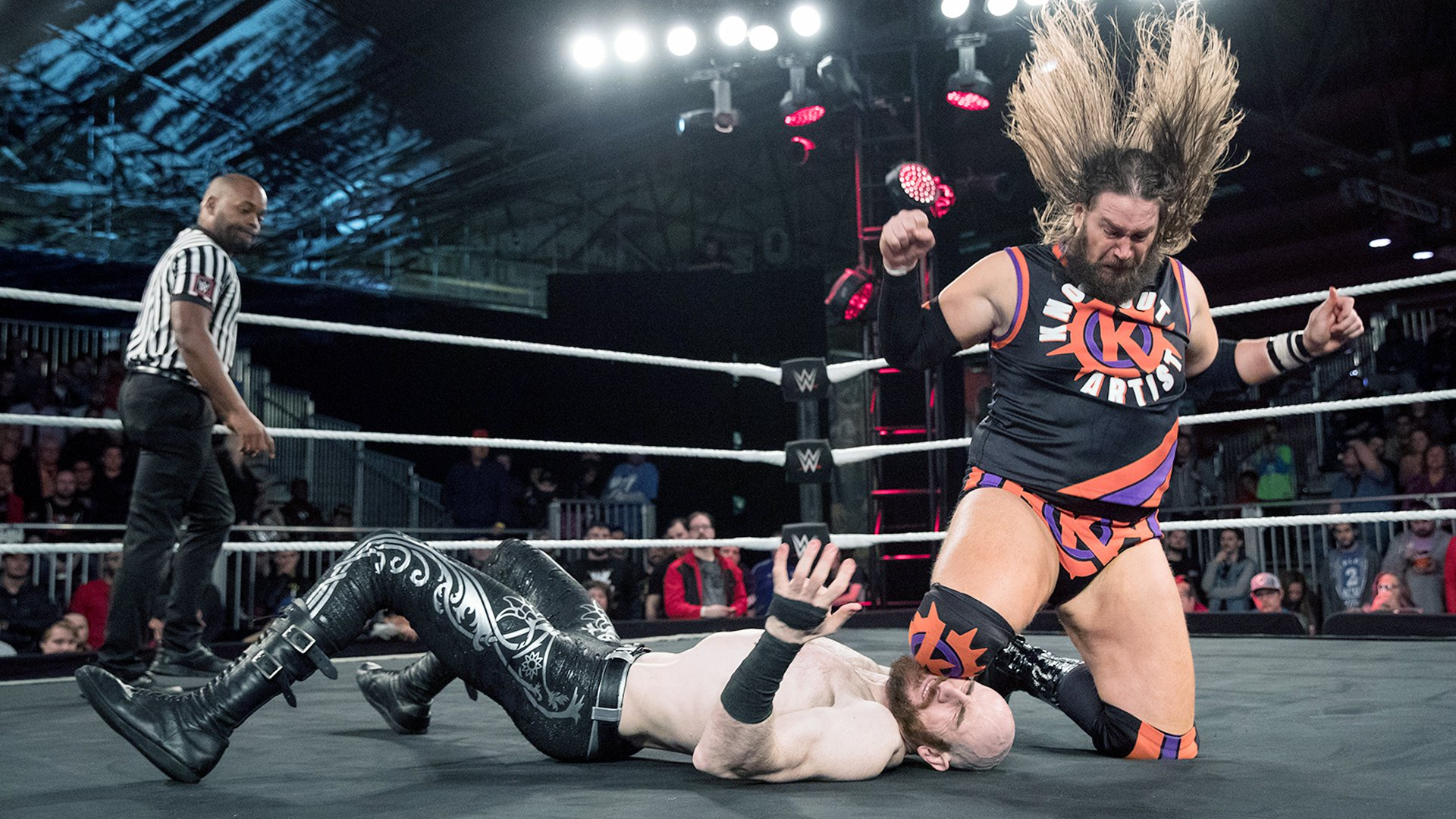 Aiden English vs. Kassius Ohno: WWE Worlds Collide, 14 Avril 2019