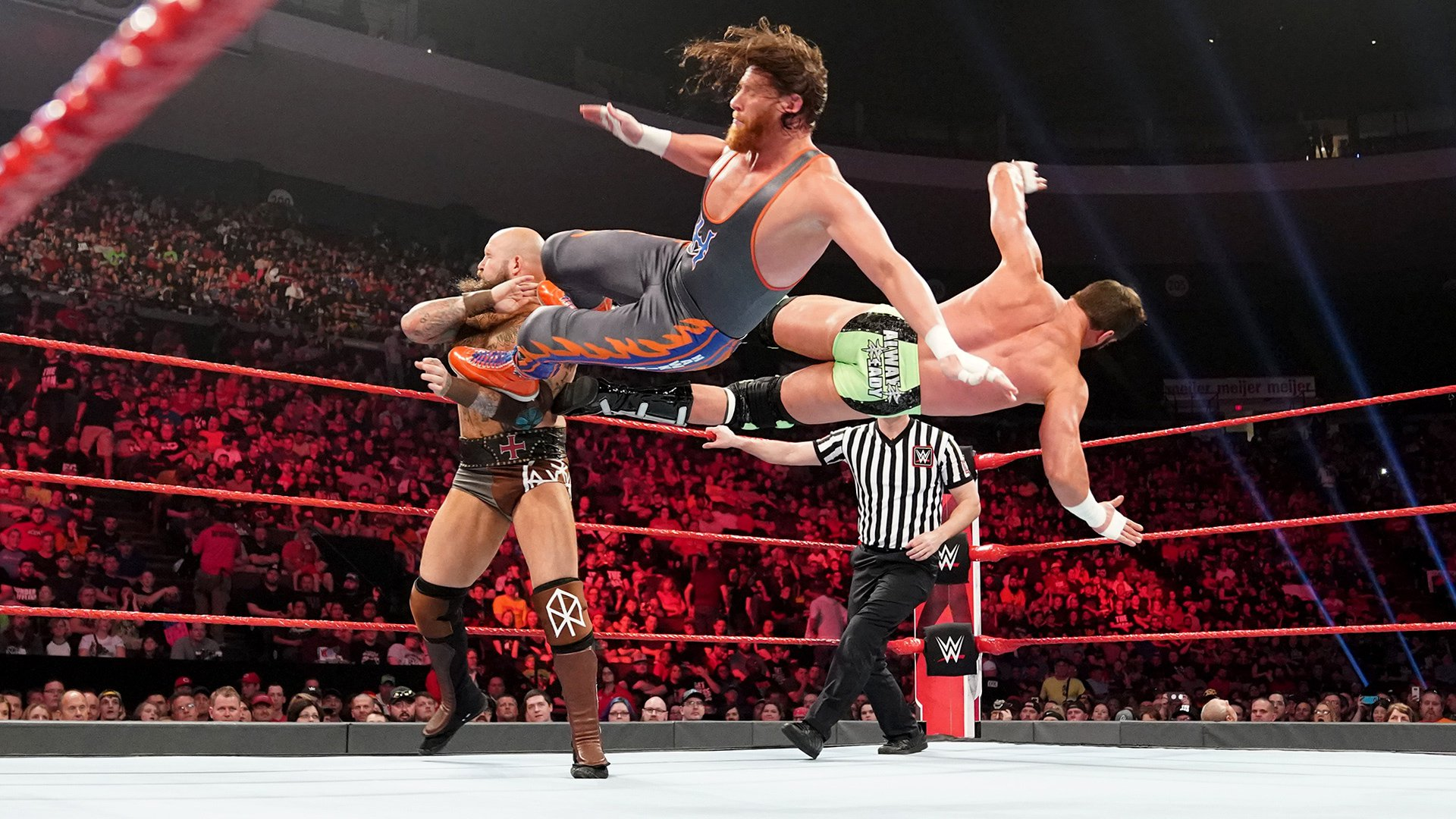 Zack Ryder & Curt Hawkins vs. The Viking Raiders: Raw, 6 Mai 2019