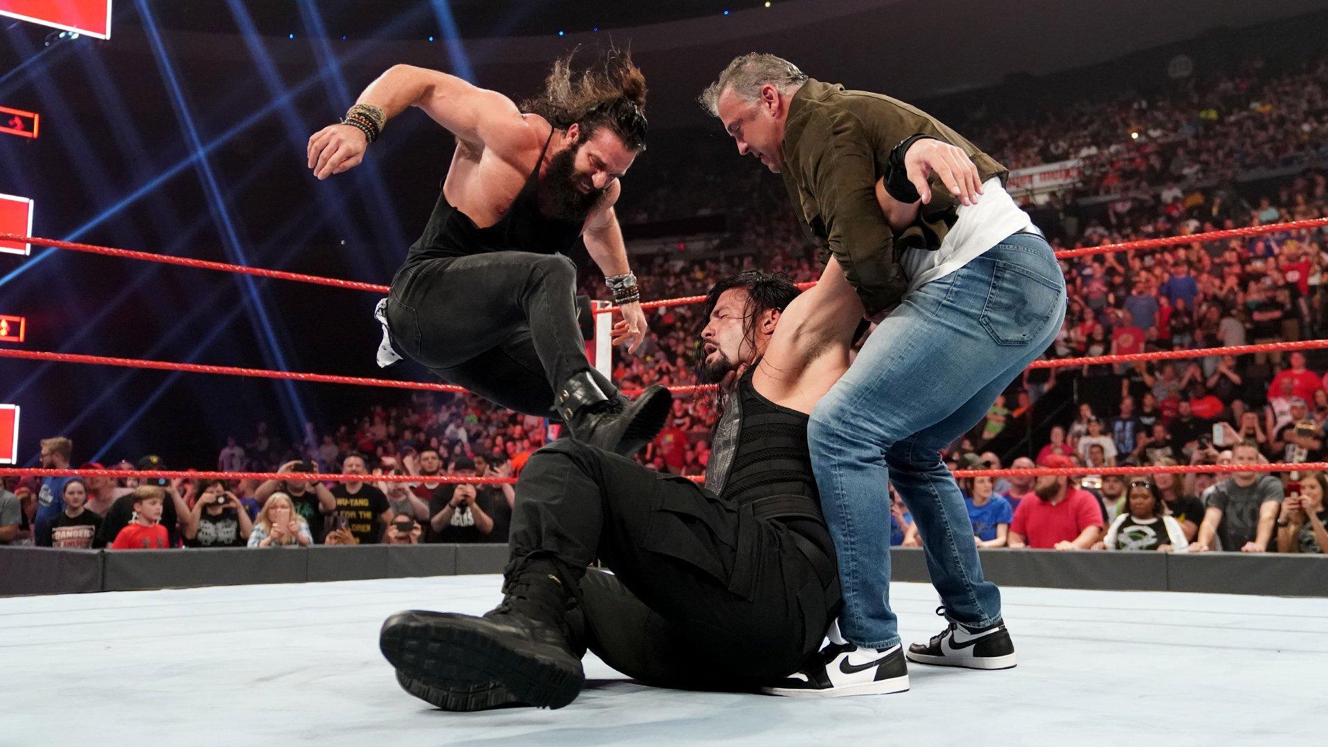 Shane McMahon et Elias interrompent le match Roman Reigns vs. Drew McIntyre: Raw, 6 Mai 2019