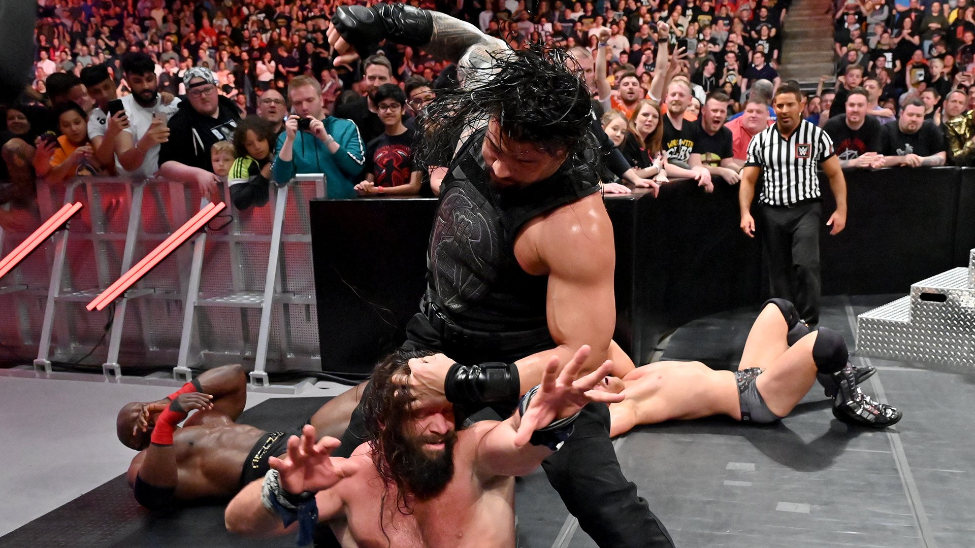 Roman Reigns & The Miz vs. Elias & Bobby Lashley: Raw, 13 Mai 2019