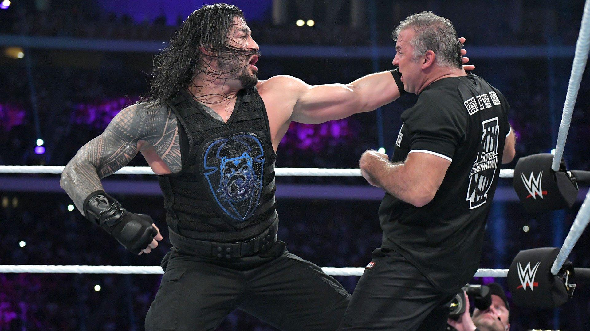 Roman Reigns porte un powerbomb à Shane McMahon: WWE Super ShowDown 2019