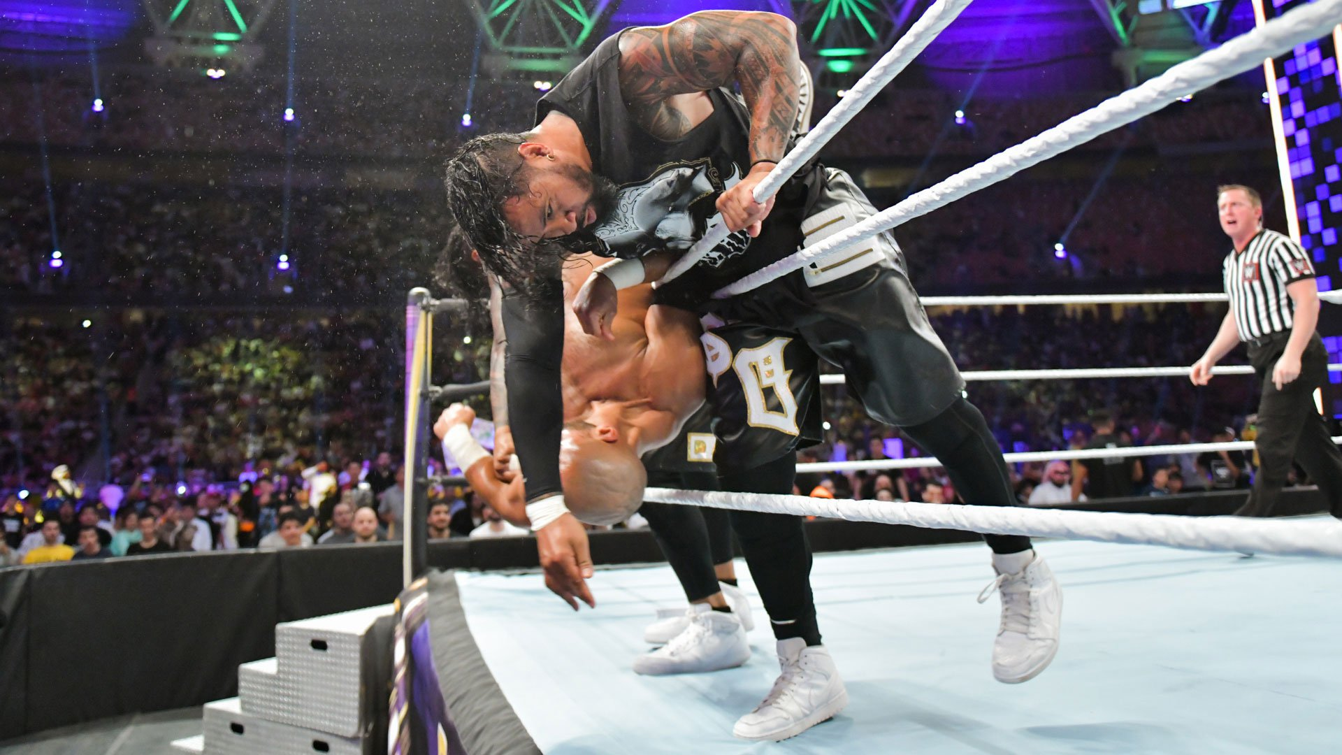 The Usos font voler The Revival du ring: WWE Super ShowDown 2019 Kickoff