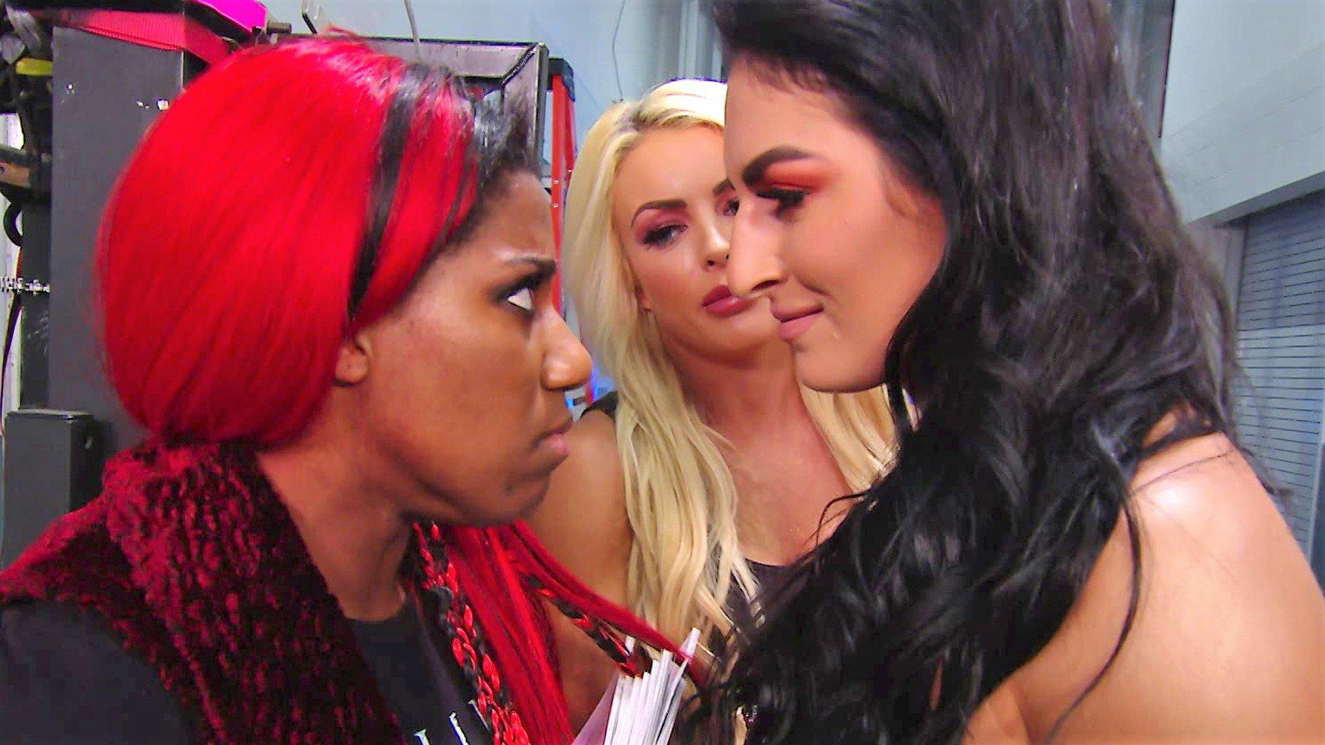Mandy Rose & Sonya Deville ruinent les jeux vidéos d'Ember Moon: SmackDown LIVE, 11 Juin 2019