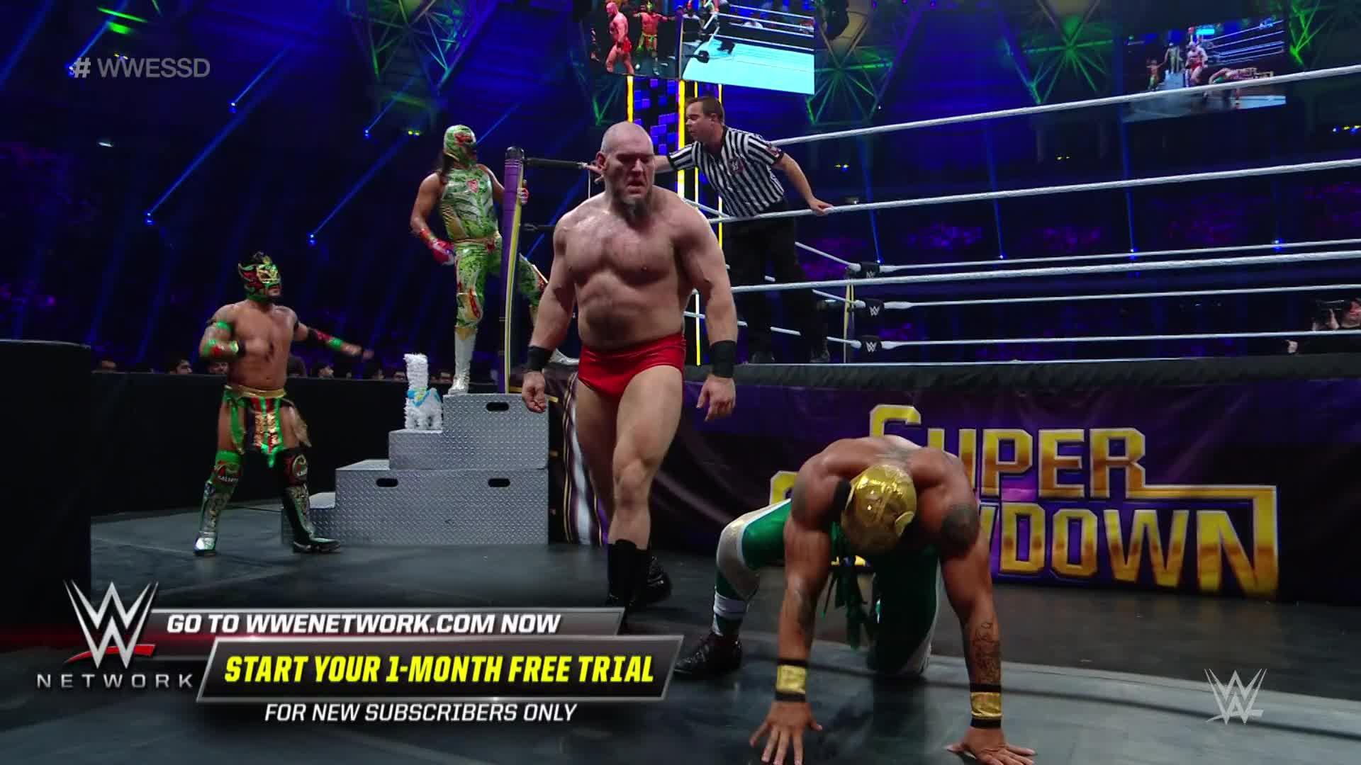 Lars Sullivan lâche sa furie sur Lucha House Party: WWE Super ShowDown 2019
