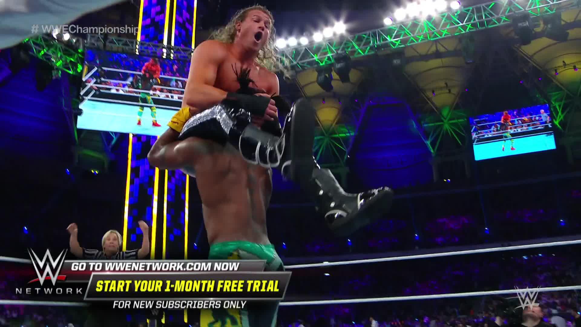 Kofi Kingston détruit Dolph Ziggler avec un S.O.S.: WWE Super ShowDown 2019