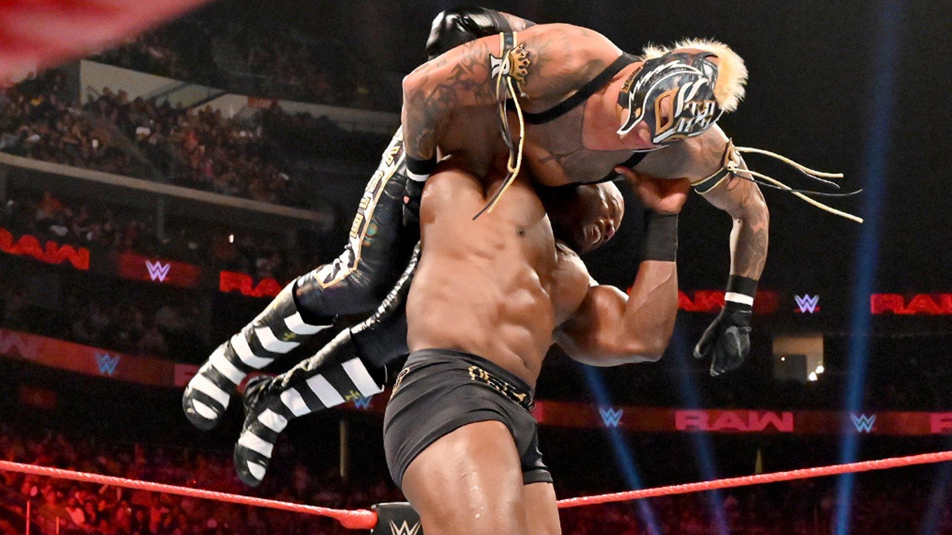 Bobby Lashley écrase Rey Mysterio: Raw, 8 Juillet 2019