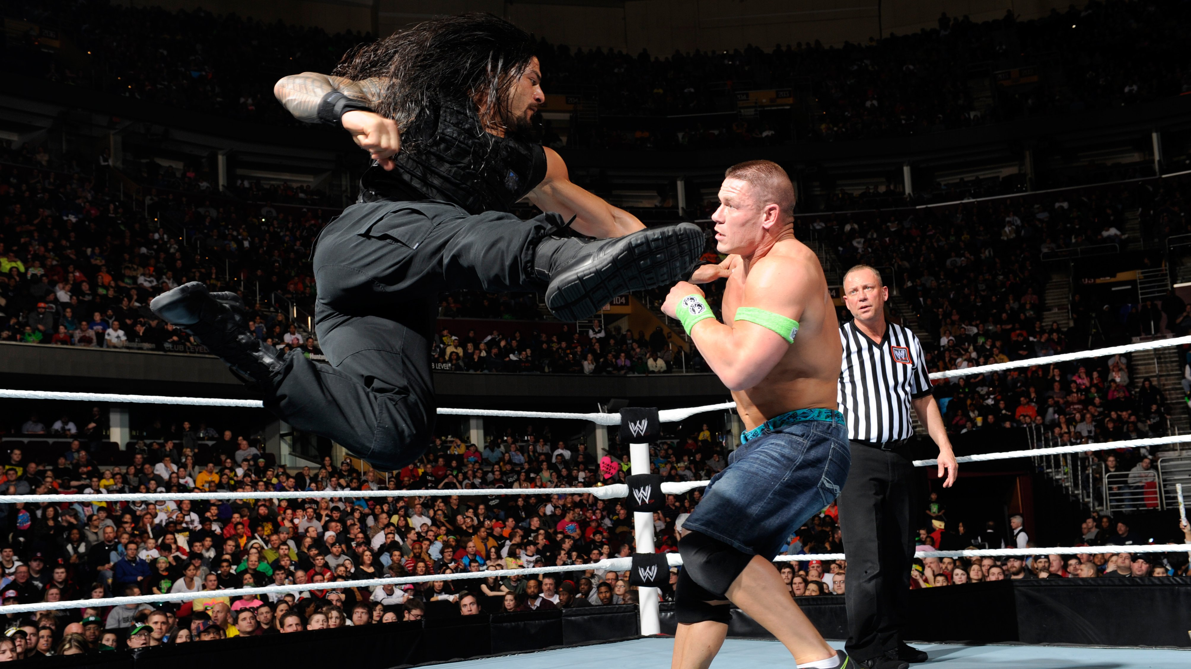 Wwe hell in a cell 2018: roman reigns defeating braun strowman and.