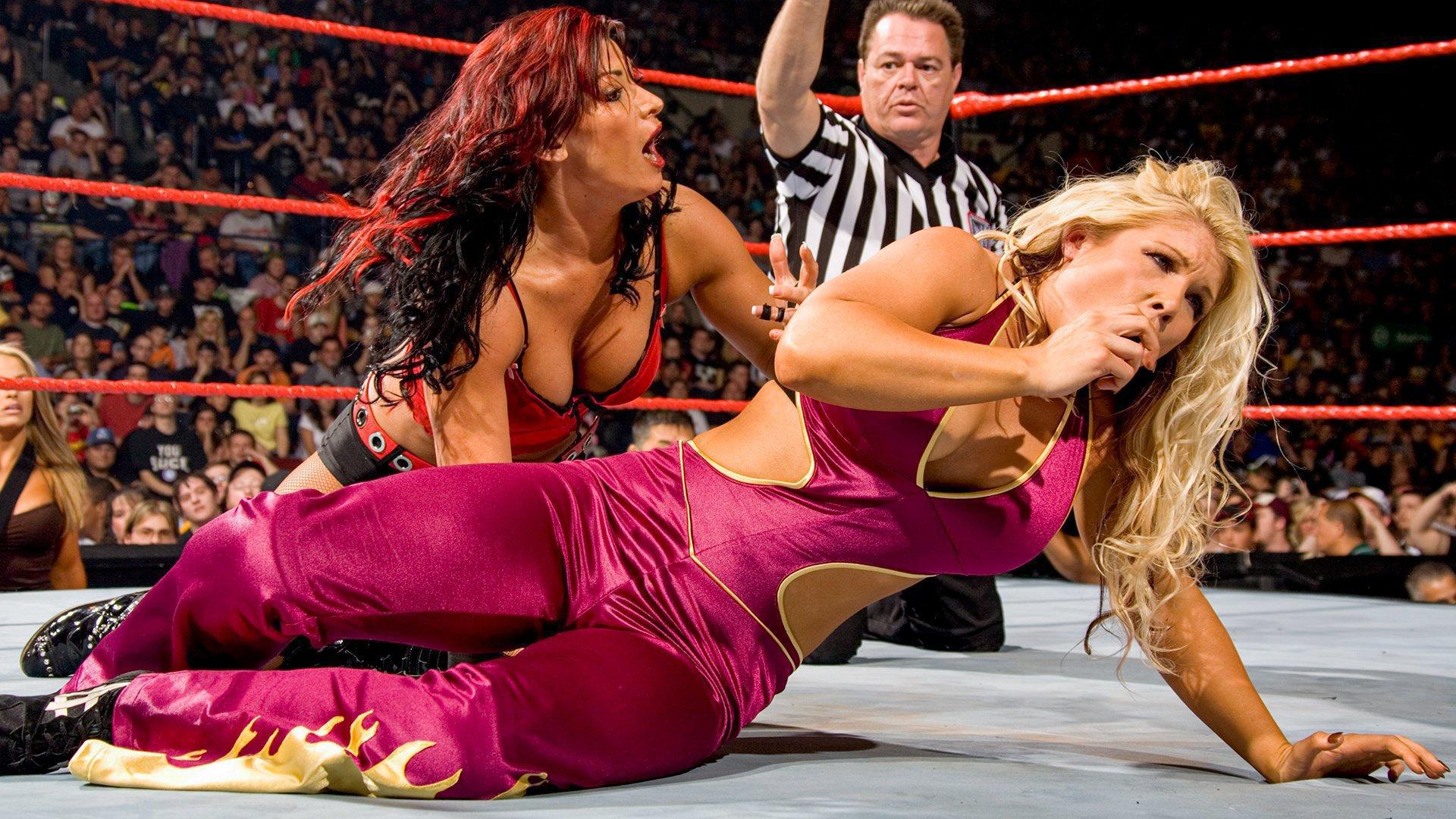 Girls wrestling sexy Julia vs