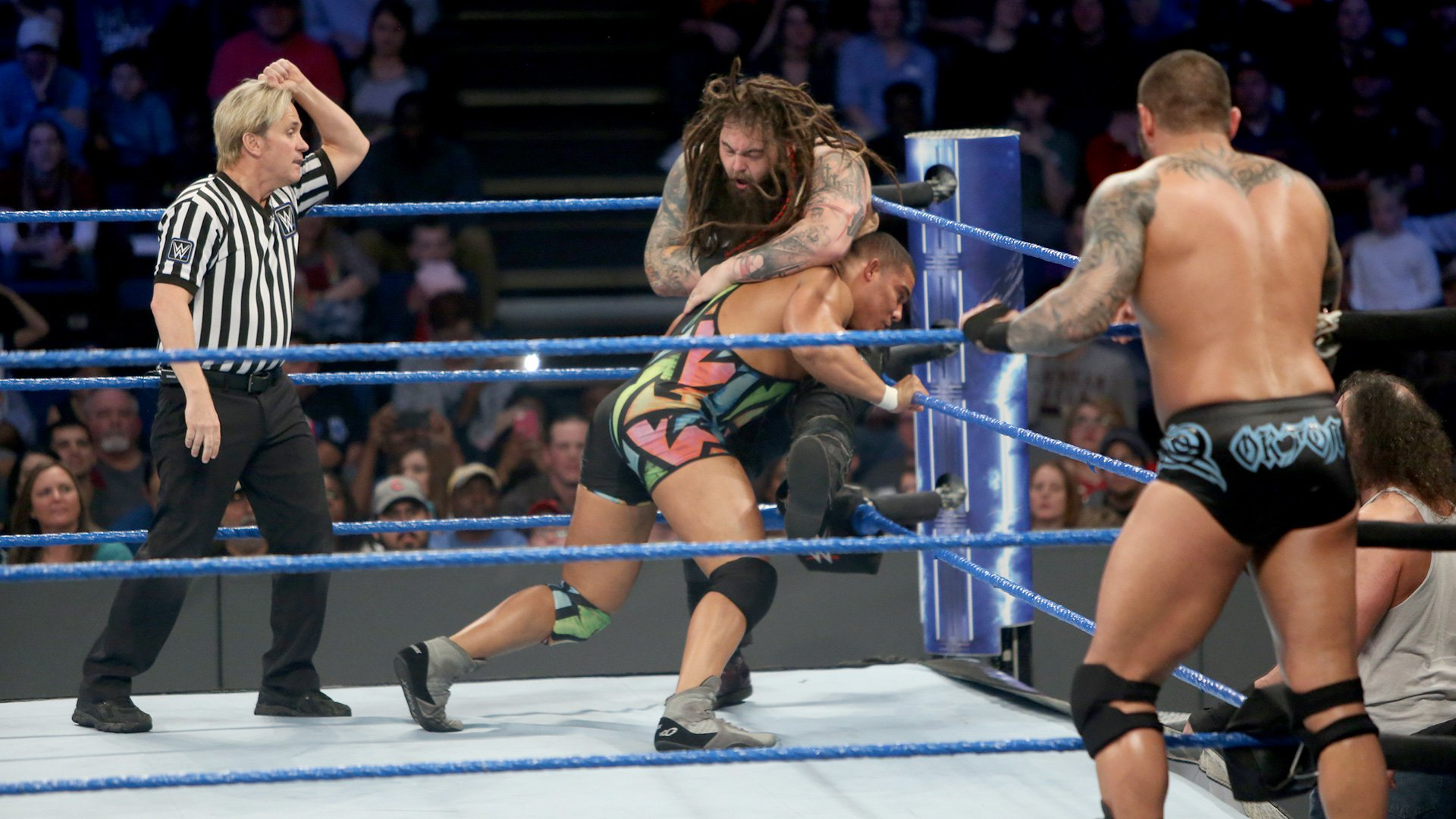American Alpha put the SmackDown Tag Team Championship on the line against The Wyatt Family.