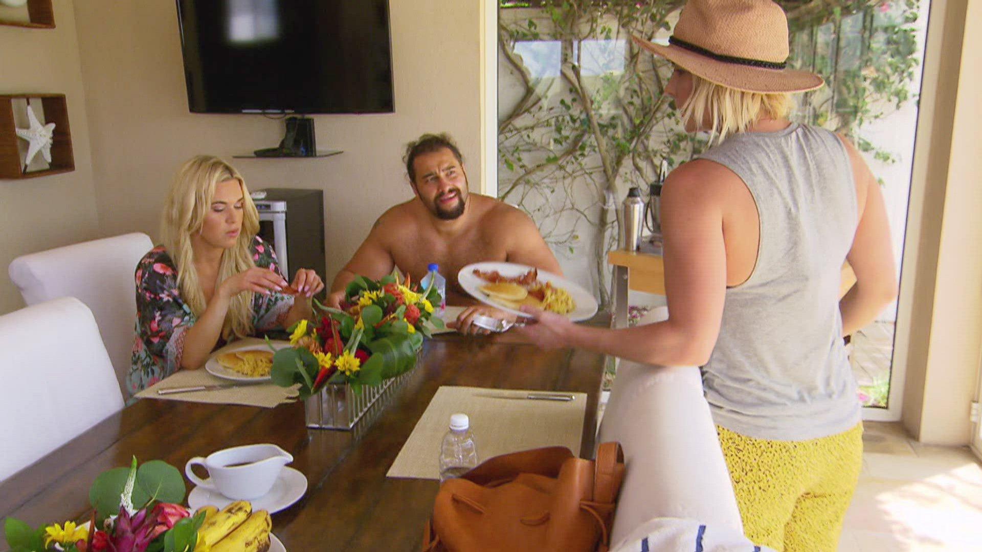 Total Divas - Season 6, Episode 13: photos