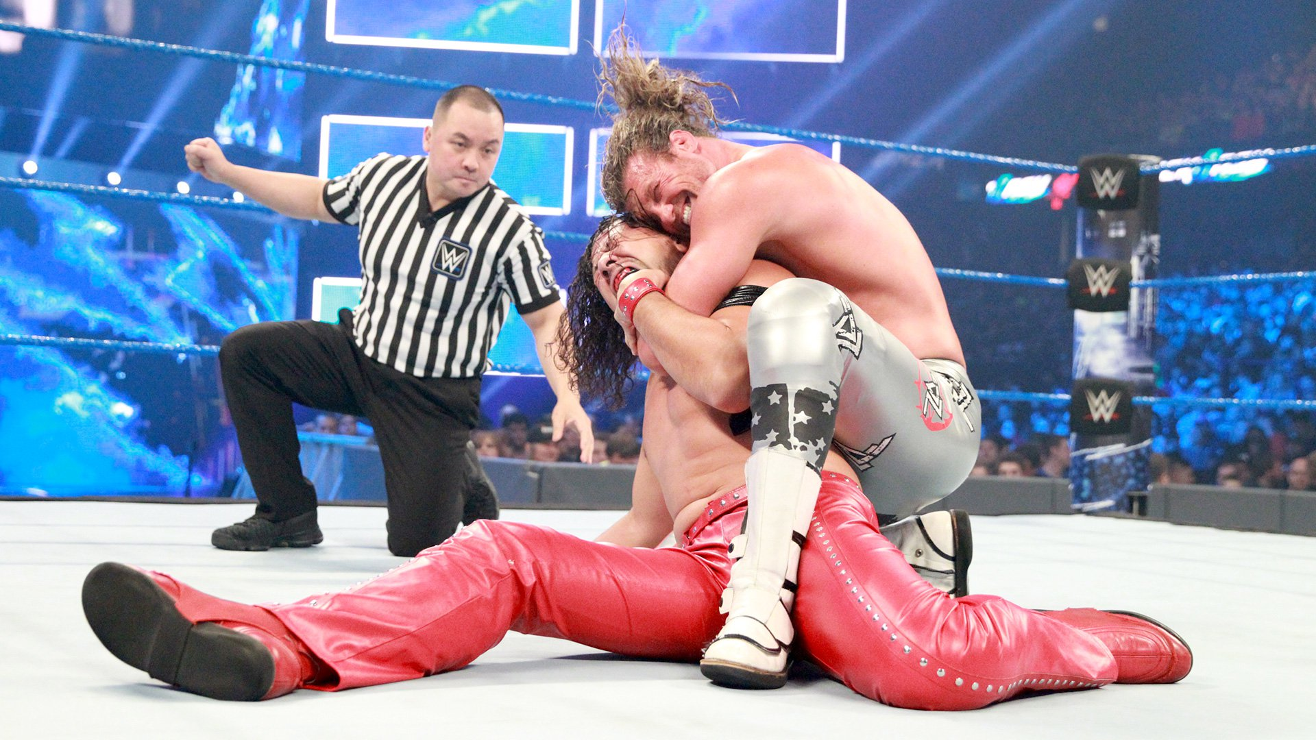 Ziggler relies on his amateur wrestling background to keep Nakamura grounded.