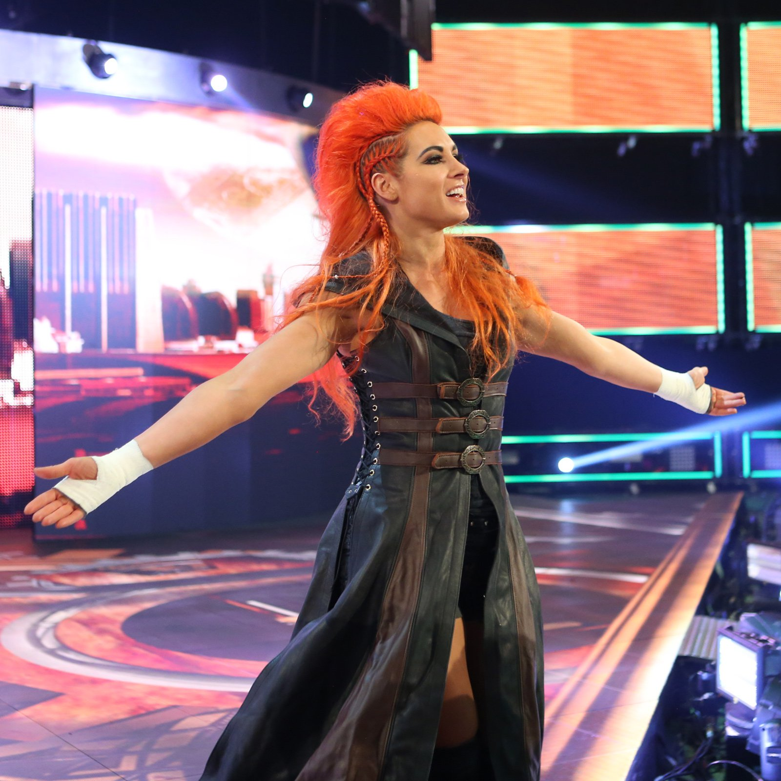 Becky Lynch receives a warm welcome from the WWE Universe in Chicago.