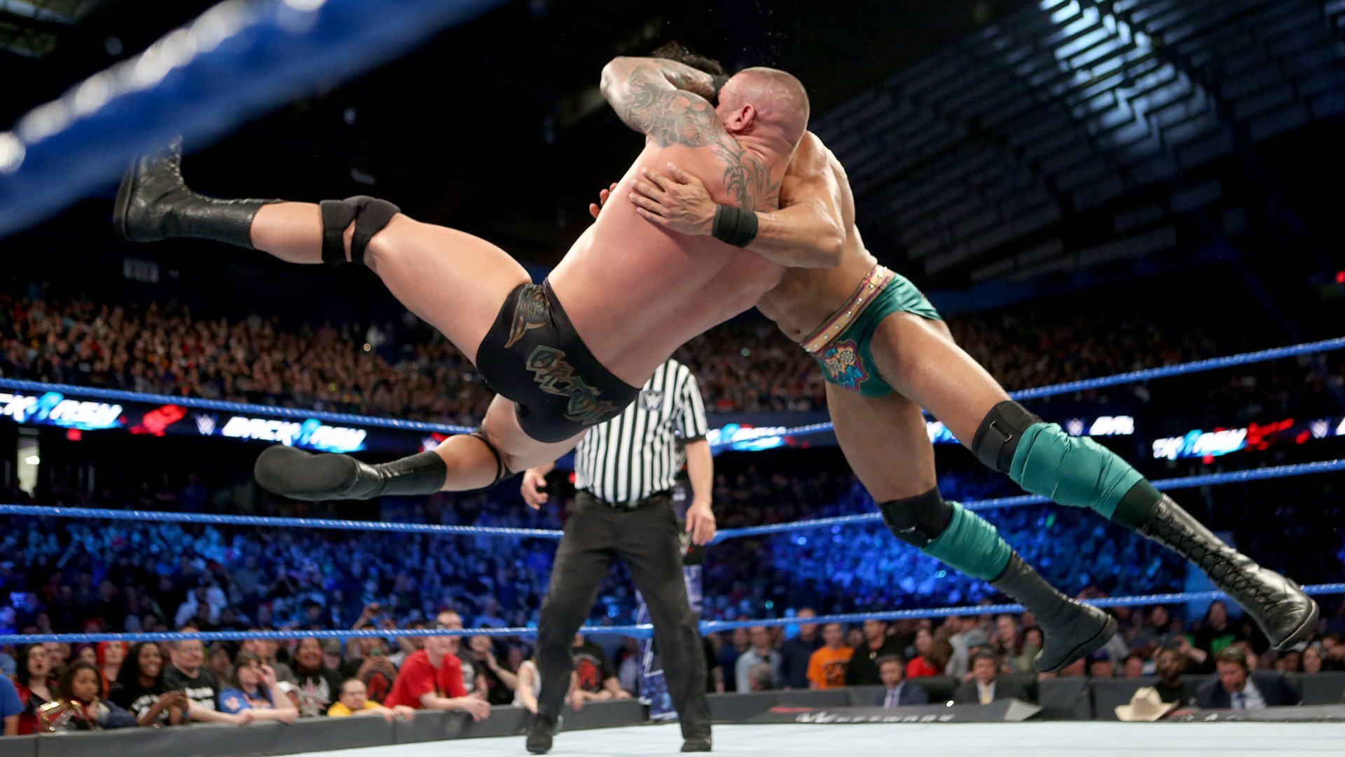 Orton his an RKO outta knowhere!