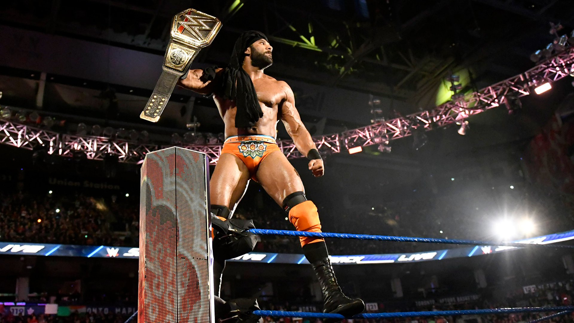WWE Champion Jinder Mahal prepares for his non-title grudge match with Randy Orton.